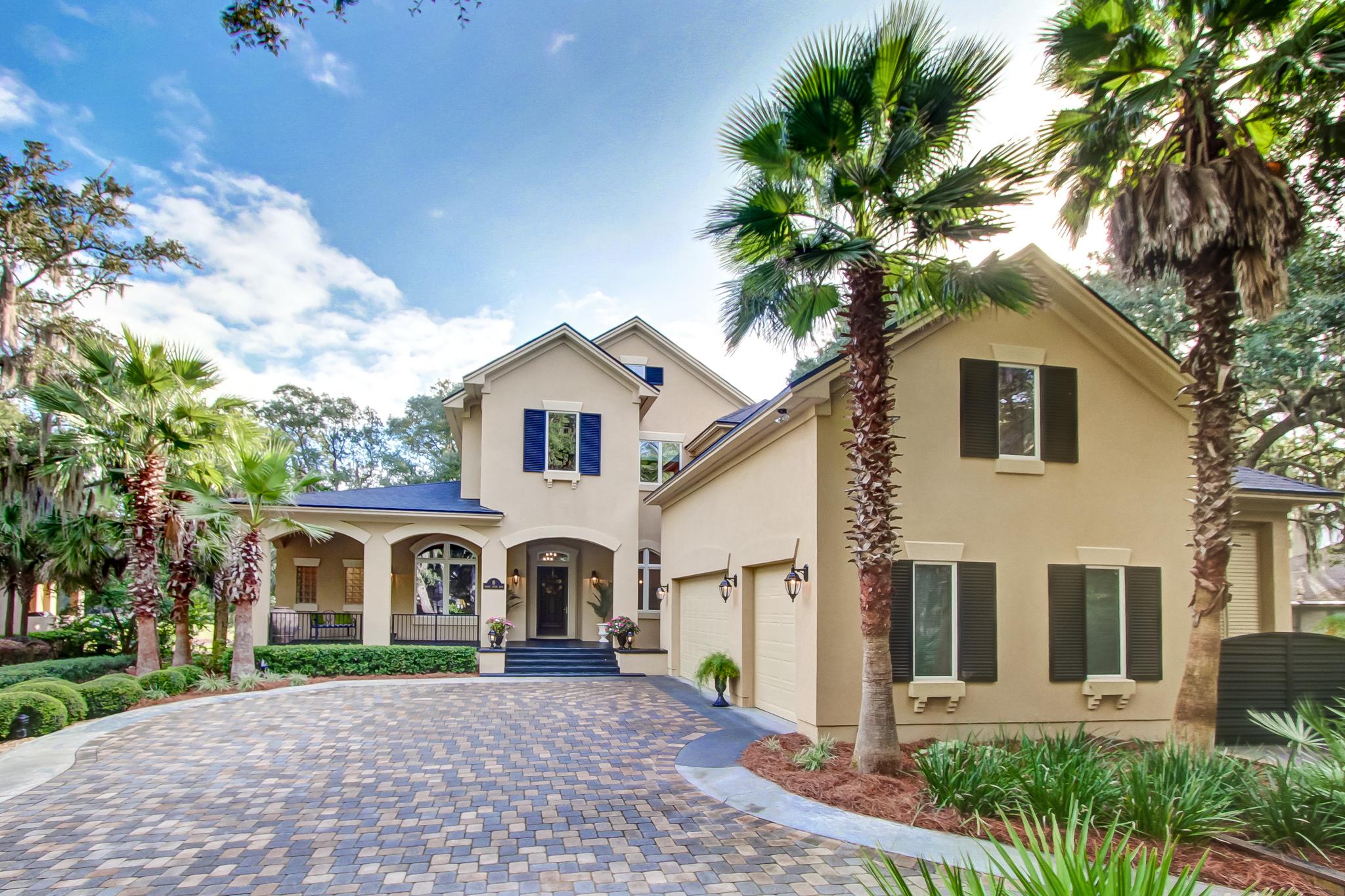 Частный односемейный дом для того Продажа на Exceptional Fairway Views from Custom Built Home 6 Marsh Creek Road Amelia Island, Флорида 32034 Соединенные Штаты
