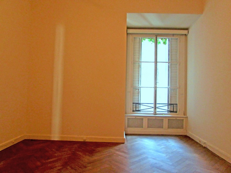 Property Of French Style Apartment - Parera