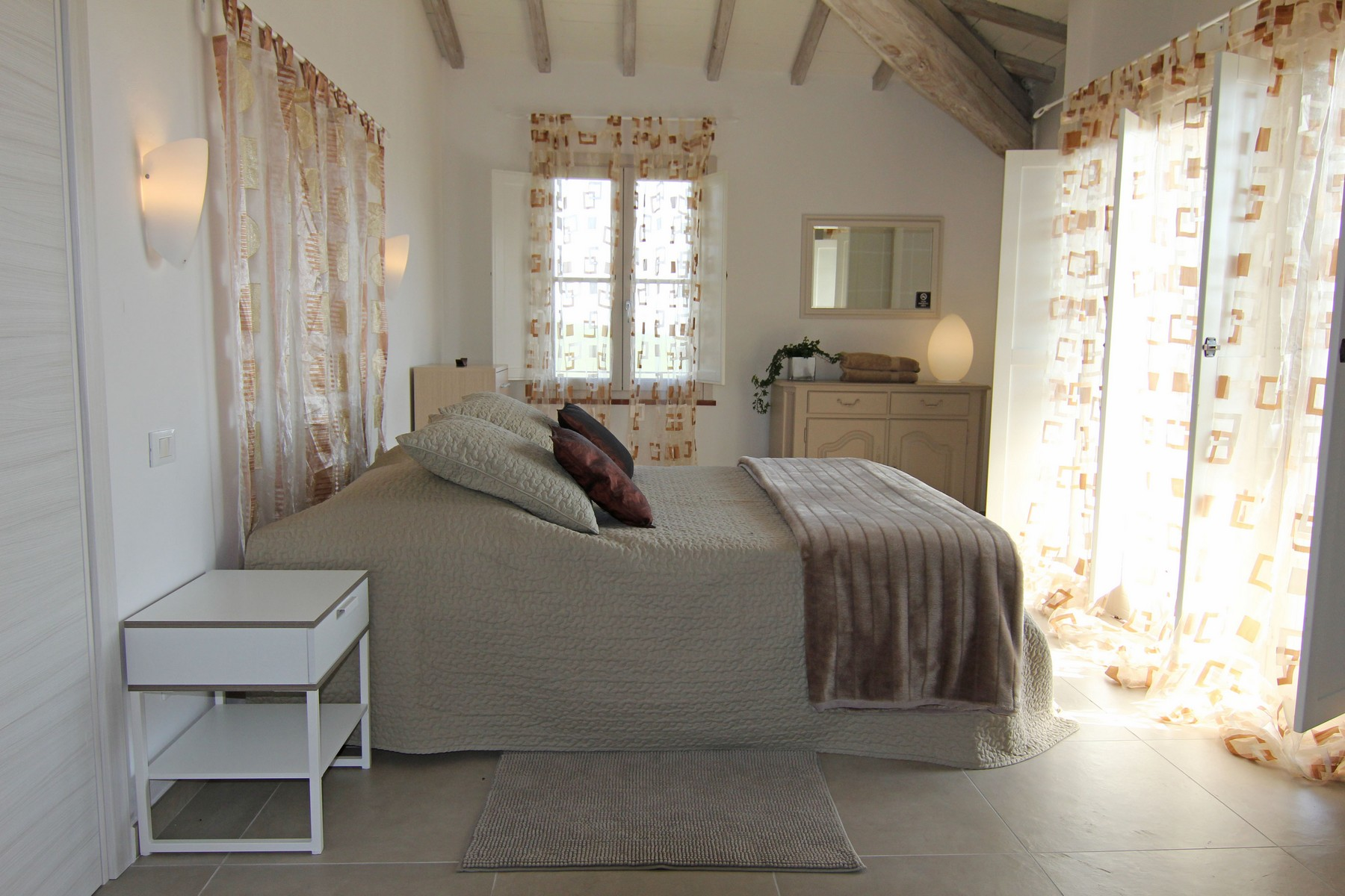 Additional photo for property listing at Splendid country chic style villa Other Arezzo, Arezzo Italy