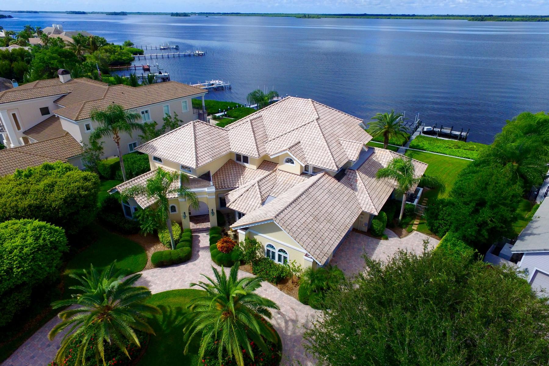 独户住宅 为 销售 在 Breathtaking River Views 375 Riverway Court Vero Beach, 佛罗里达州 32963 美国