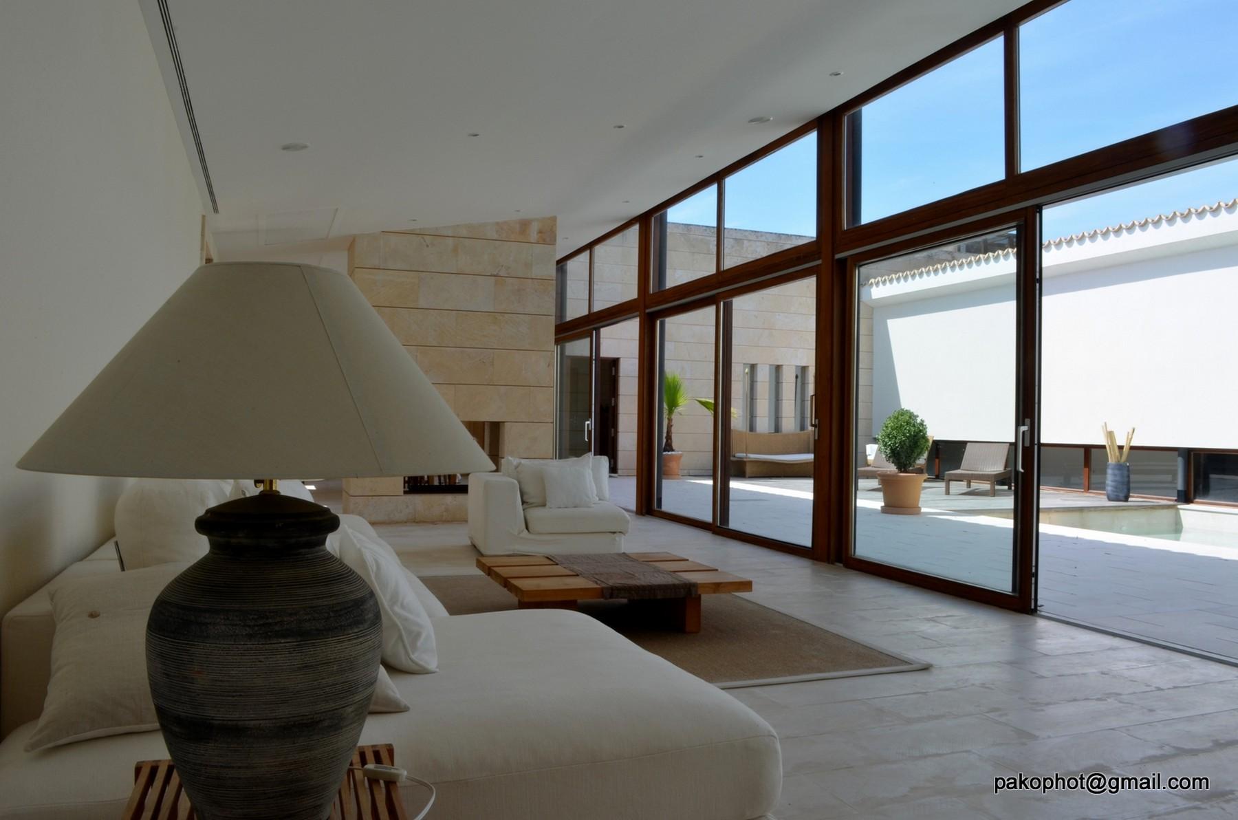 Частный односемейный дом для того Продажа на Villa in Santa Margalida Alcudia, Майорка, 07570 Испания