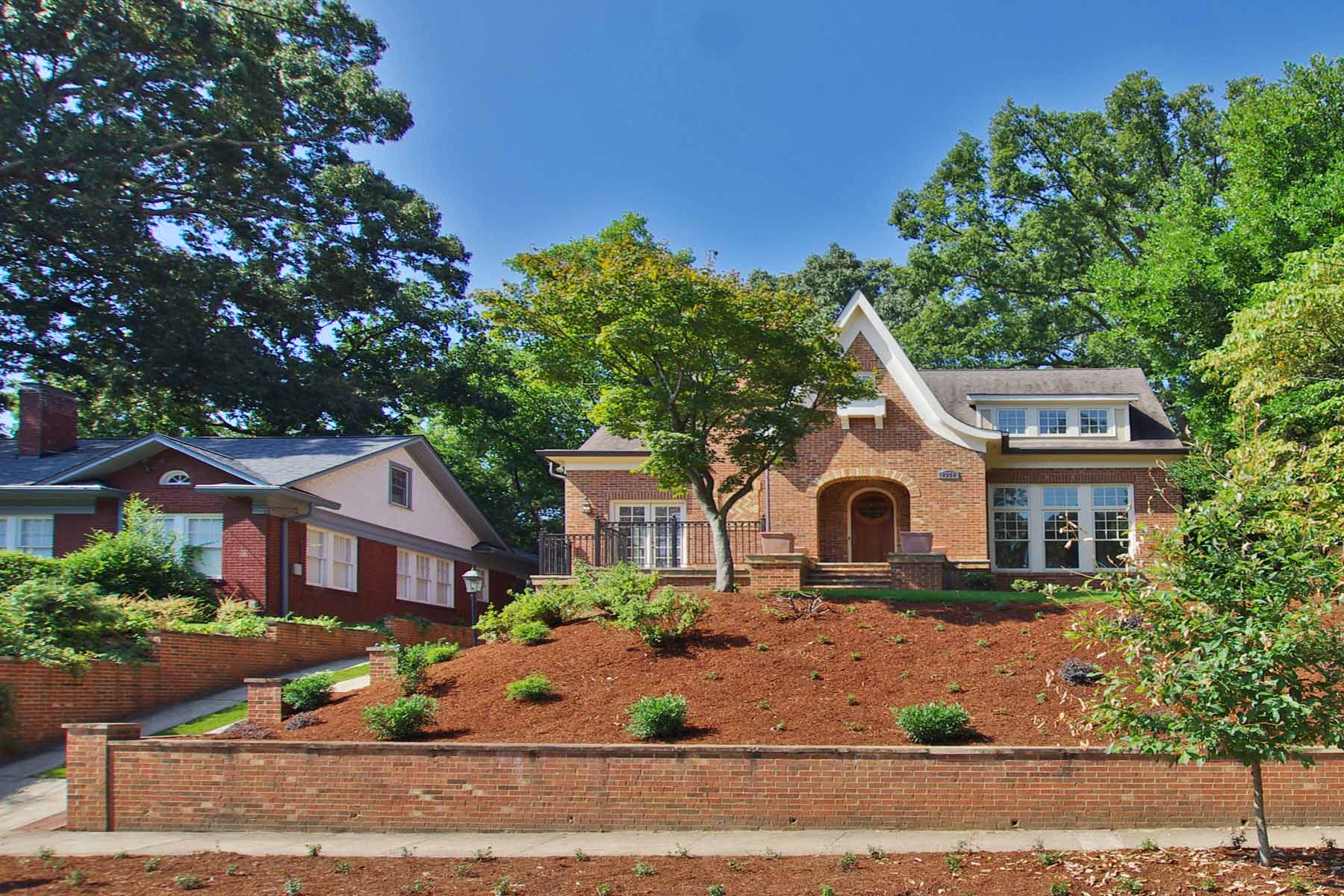 Vivienda unifamiliar por un Venta en Morningside Traditional Masterpiece 1356 Northview Avenue NE Atlanta, Georgia 30306 Estados Unidos