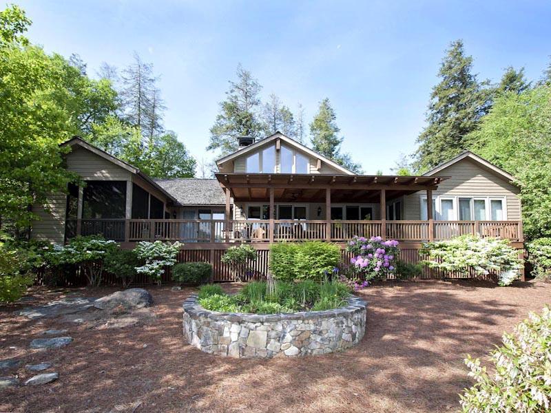 Single Family Home for Sale at 260 Cullasaja Club Drive Highlands, North Carolina 28741 United States