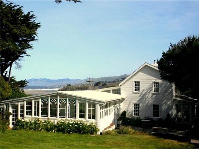 Maison unifamiliale pour l Vente à Marshall House 255 McChristian Avenue Bodega Bay, Californie 94923 États-Unis