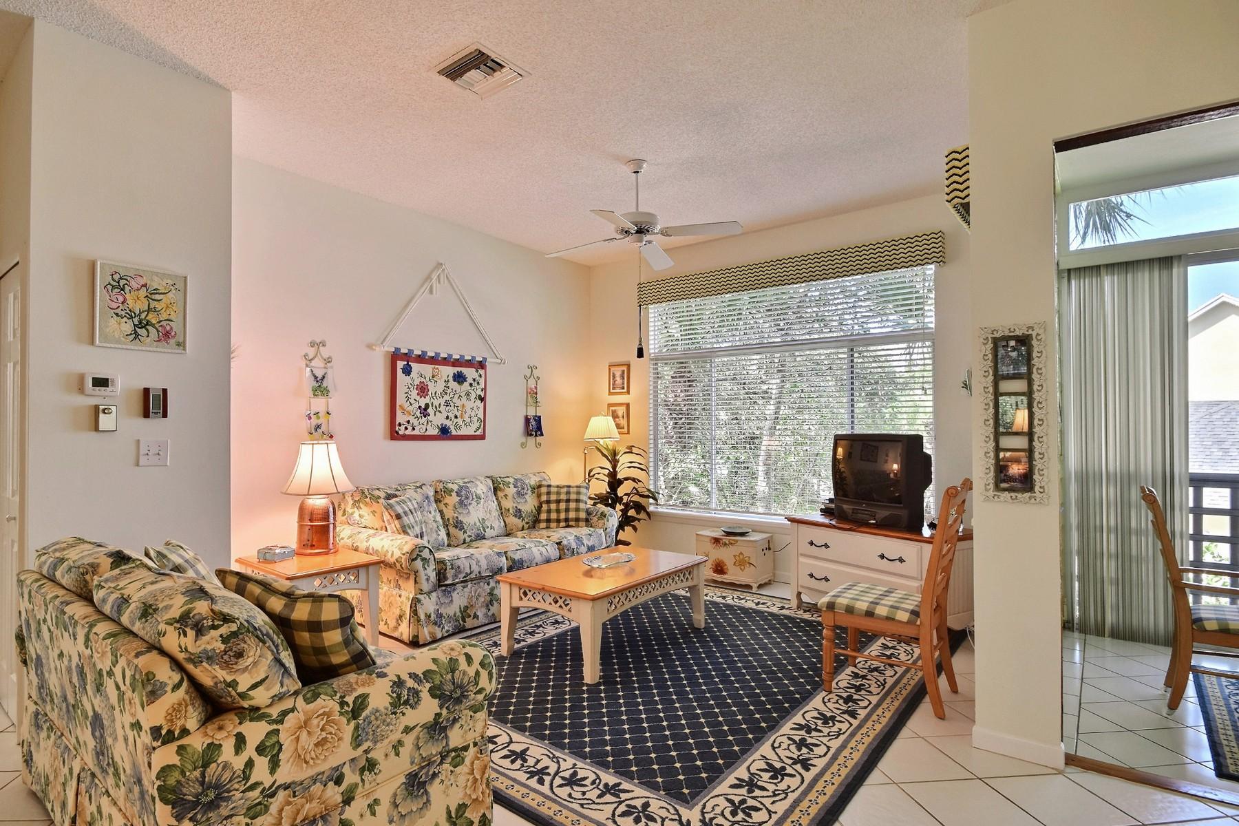 Condominio per Vendita alle ore Private Sea Oaks Condo 1315 Winding Oaks Circle E #905 Vero Beach, Florida 32963 Stati Uniti