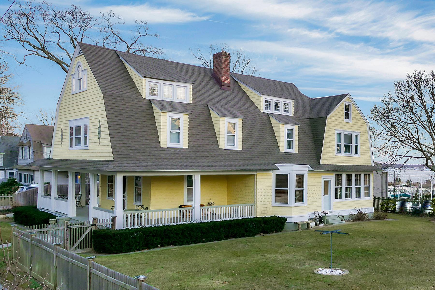 Maison unifamiliale pour l Vente à Victorian Home Is Entertainer's Delight 166 Ocean Avenue Island Heights, New Jersey, 08732 États-Unis