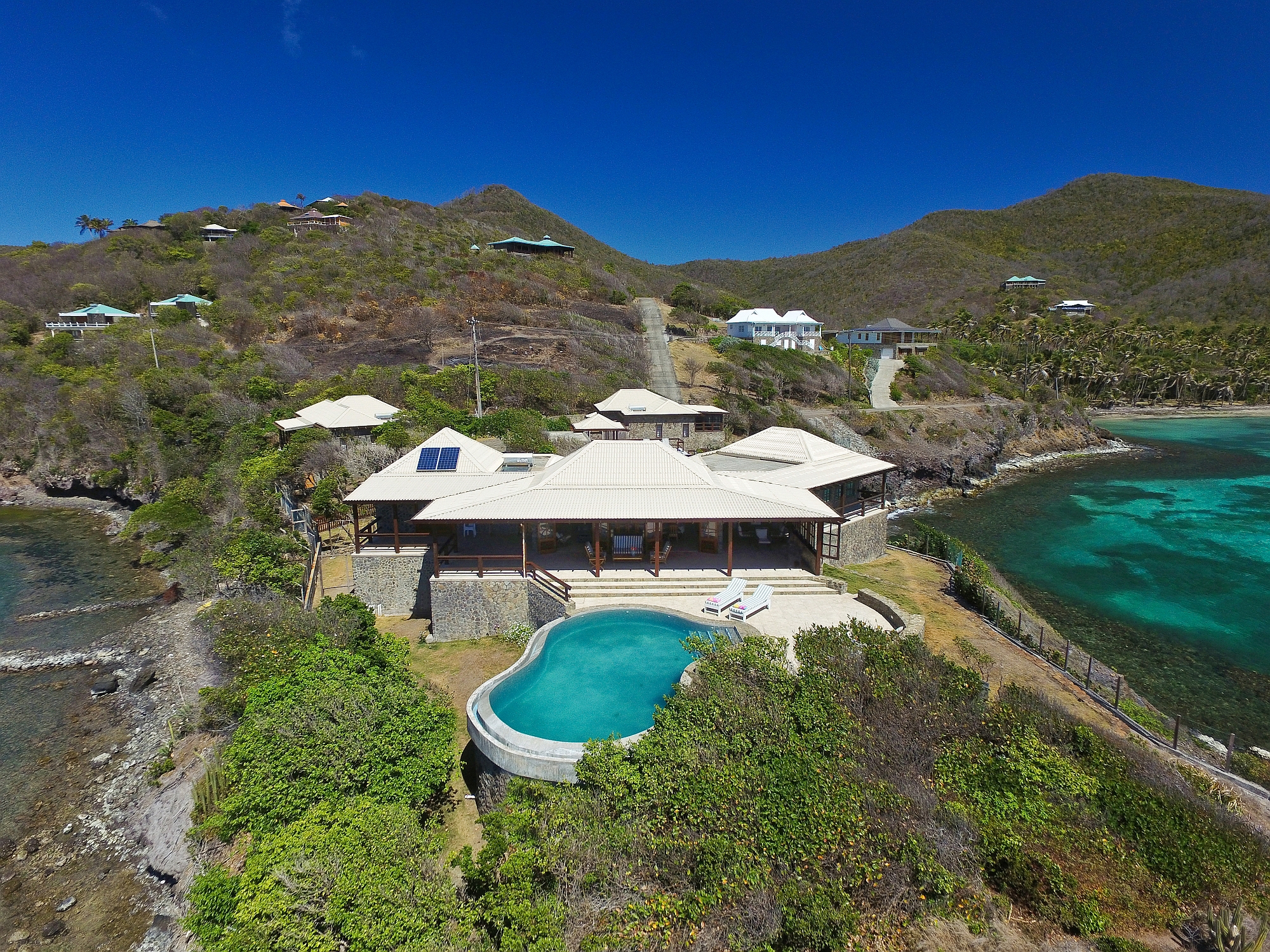 Multi-Family Home for Sale at Look Yonder Bequia, VCT