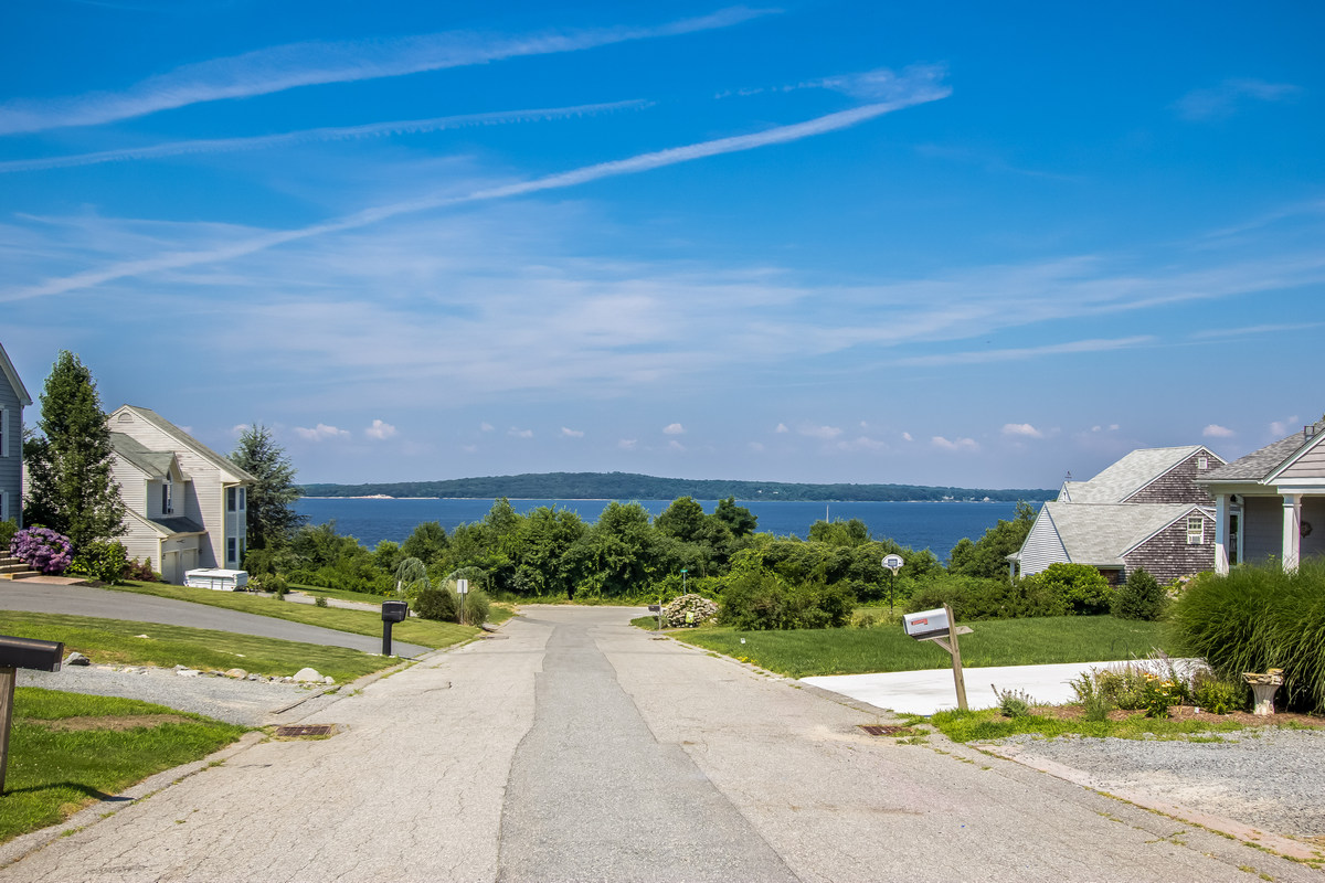 Additional photo for property listing at Splendid Bay Views 187 Horizon Drive Tiverton, Rhode Island 02878 Estados Unidos