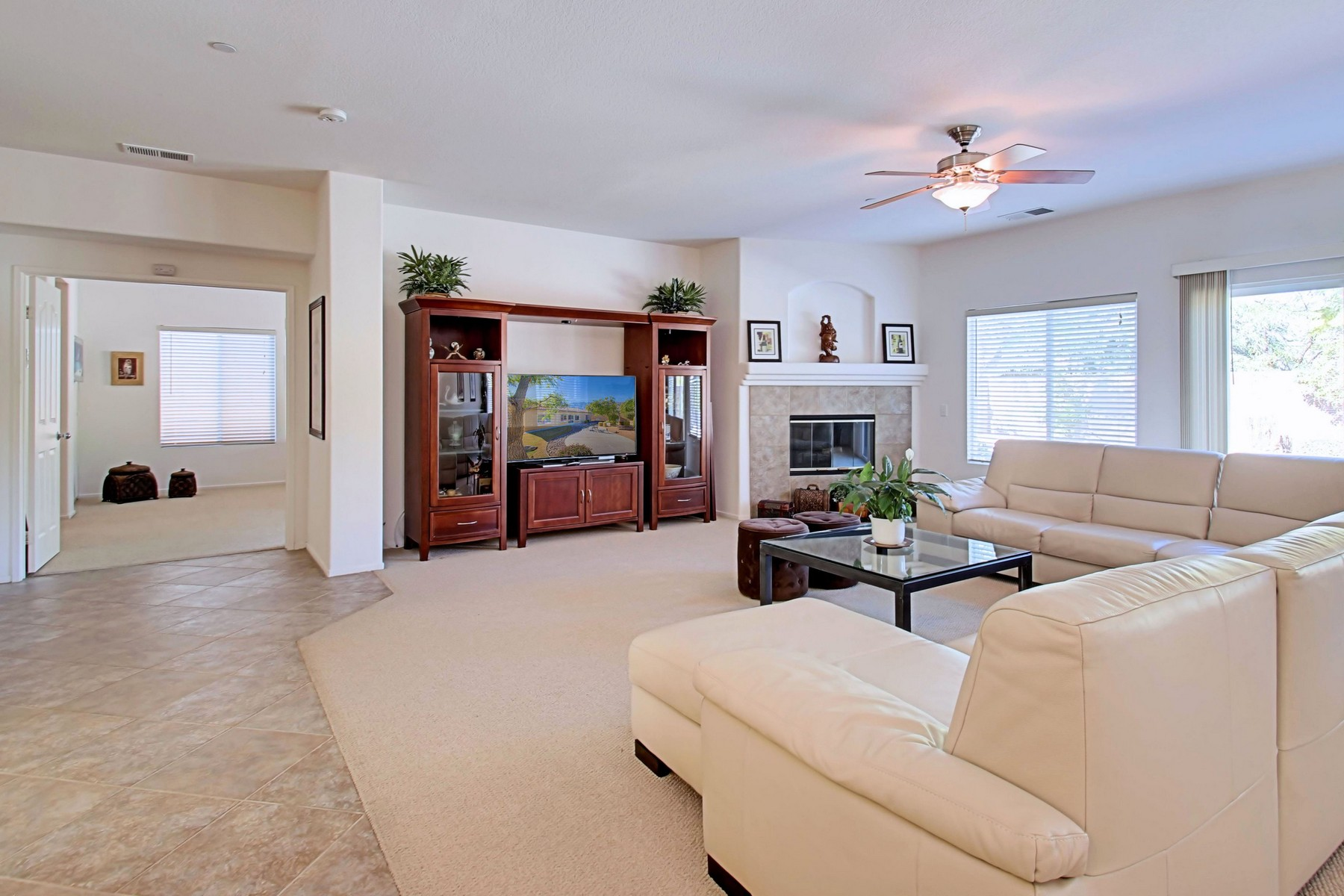Maison unifamiliale pour l Vente à 936 Alta Ridge Palm Springs, Californie, 92262 États-Unis