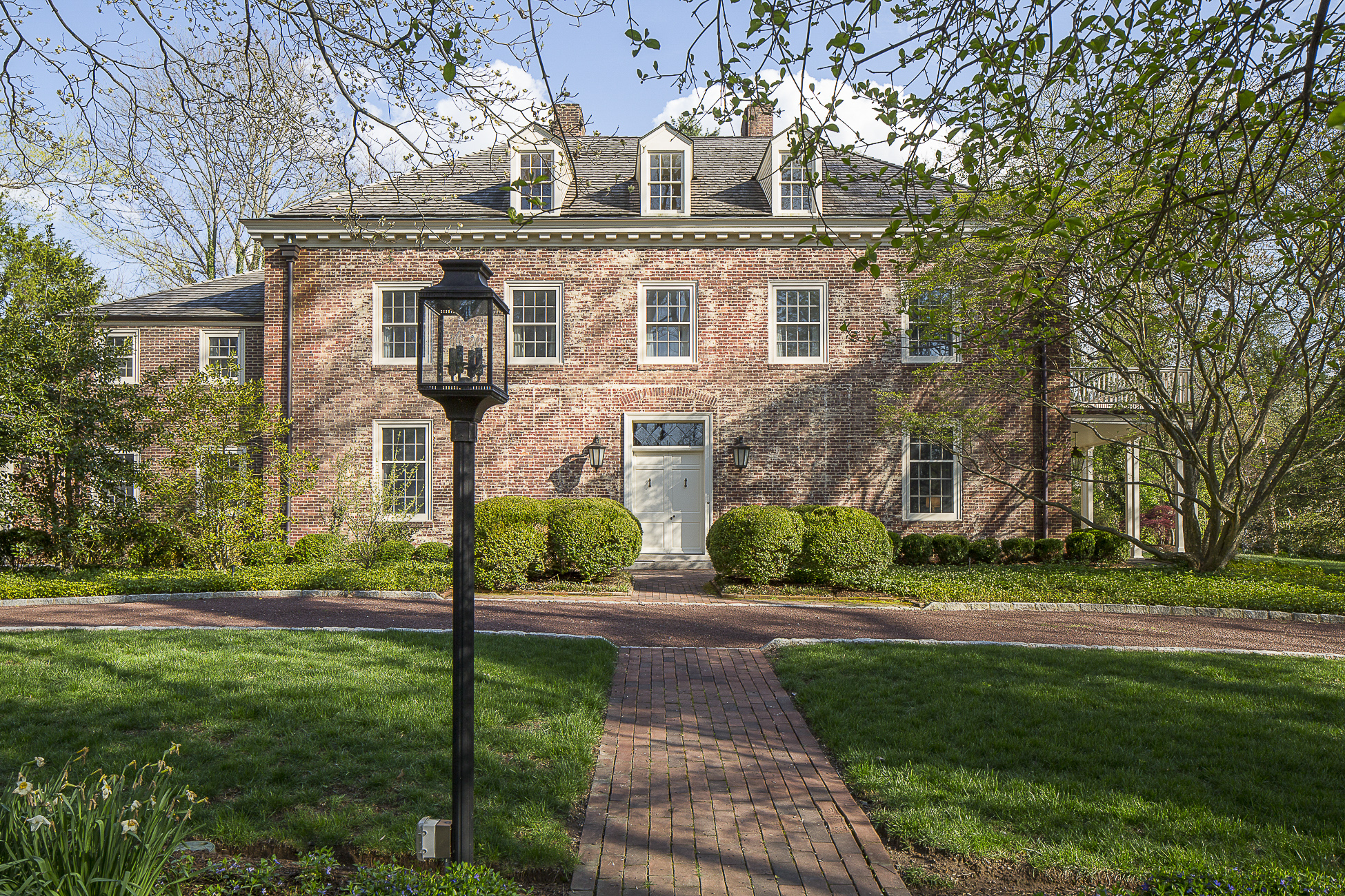 独户住宅 为 销售 在 Truly Uncompromising 102 Lafayette Road Princeton, 新泽西州 08540 美国