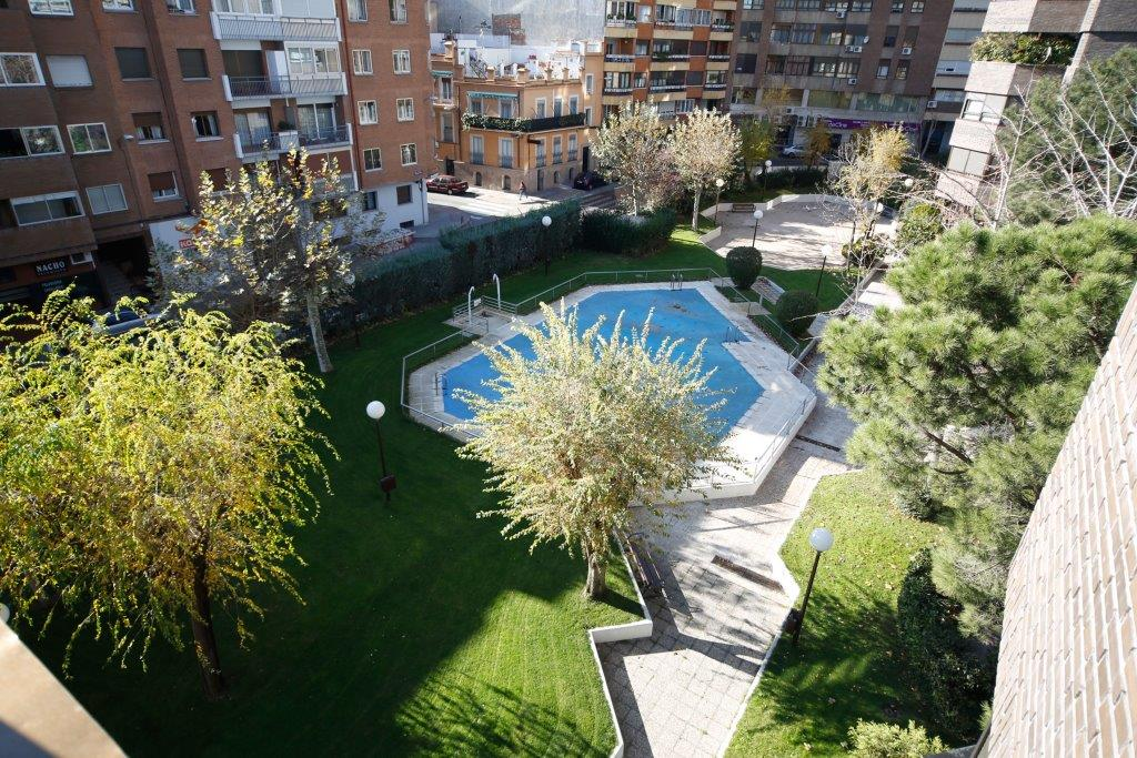 獨棟家庭住宅 為 出售 在 Piso reformado en zona muy bien comunid¡cada Madrid, 馬德里 西班牙