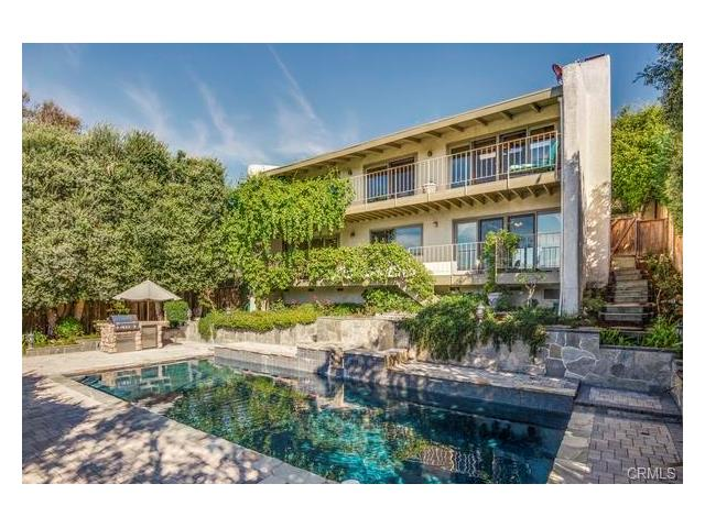 Single Family Home for Sale at 1108 Via Zumaya Palos Verdes Estates, California 90274 United States