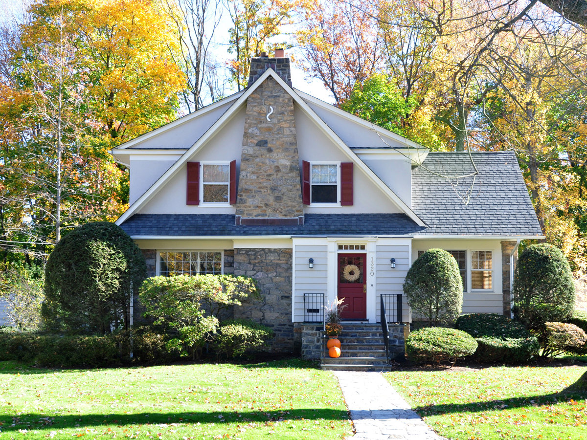 sales property at PICTURE PERFECT COLONIAL