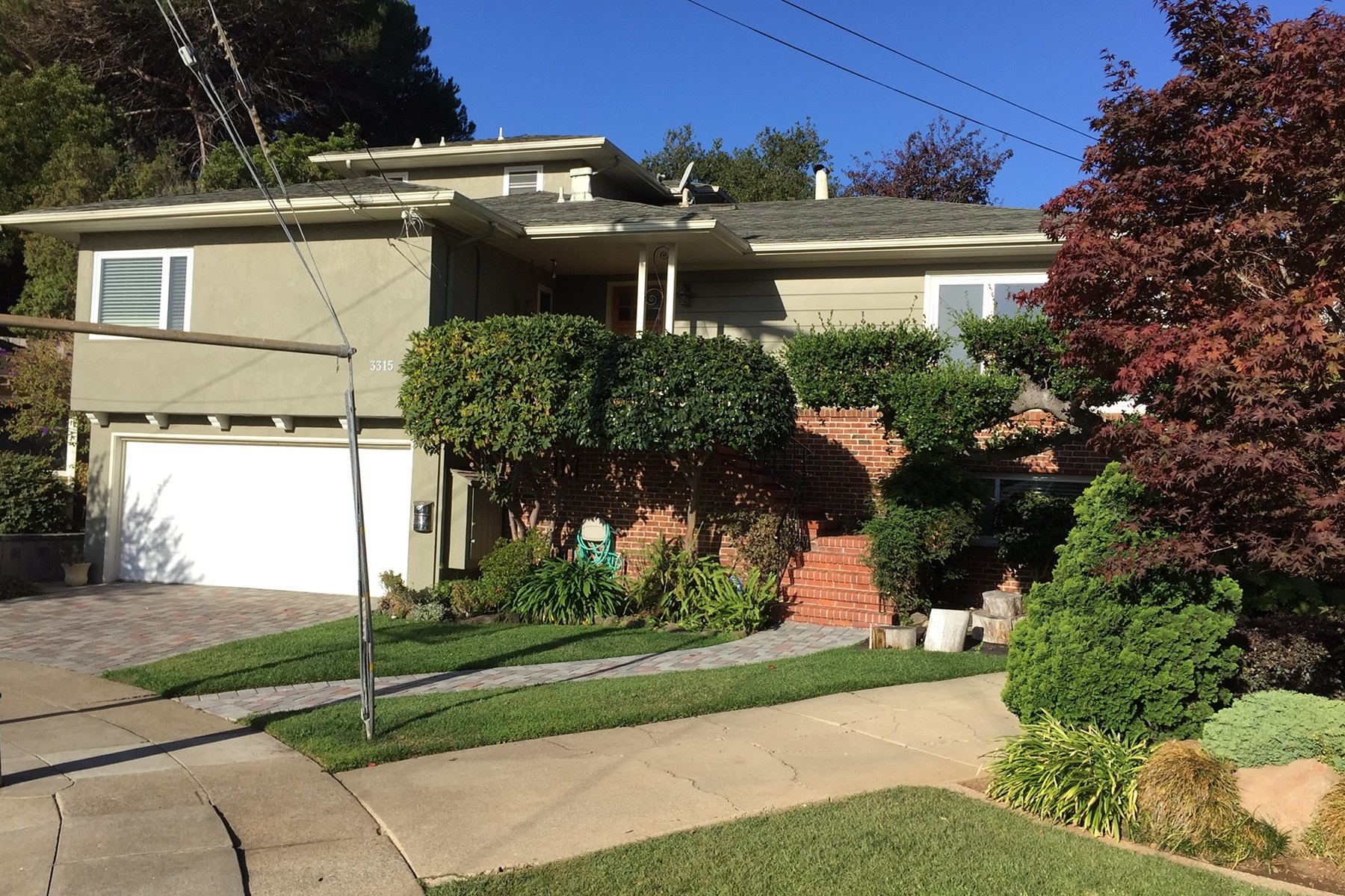 Property For Sale at Beautiful Redwood Heights Contemporary