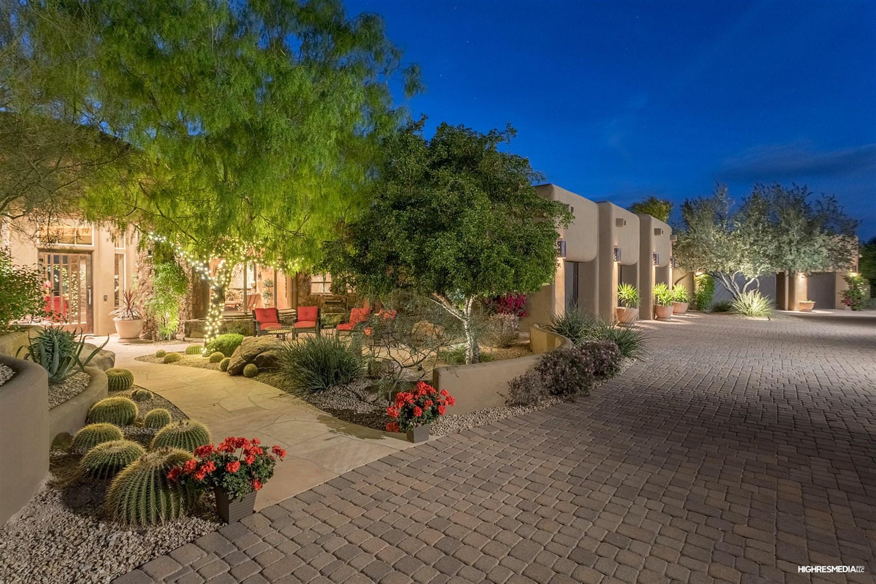 Maison unifamiliale pour l Vente à Beautiful desert retreat 24200 N Alma School Rd 23 Scottsdale, Arizona, 85255 États-Unis