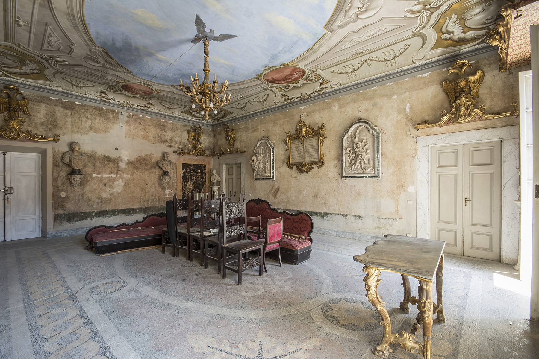 Additional photo for property listing at Magnificent Renaissance Palazzo in the center of Carrara Carrara, Massa Carrara Italy