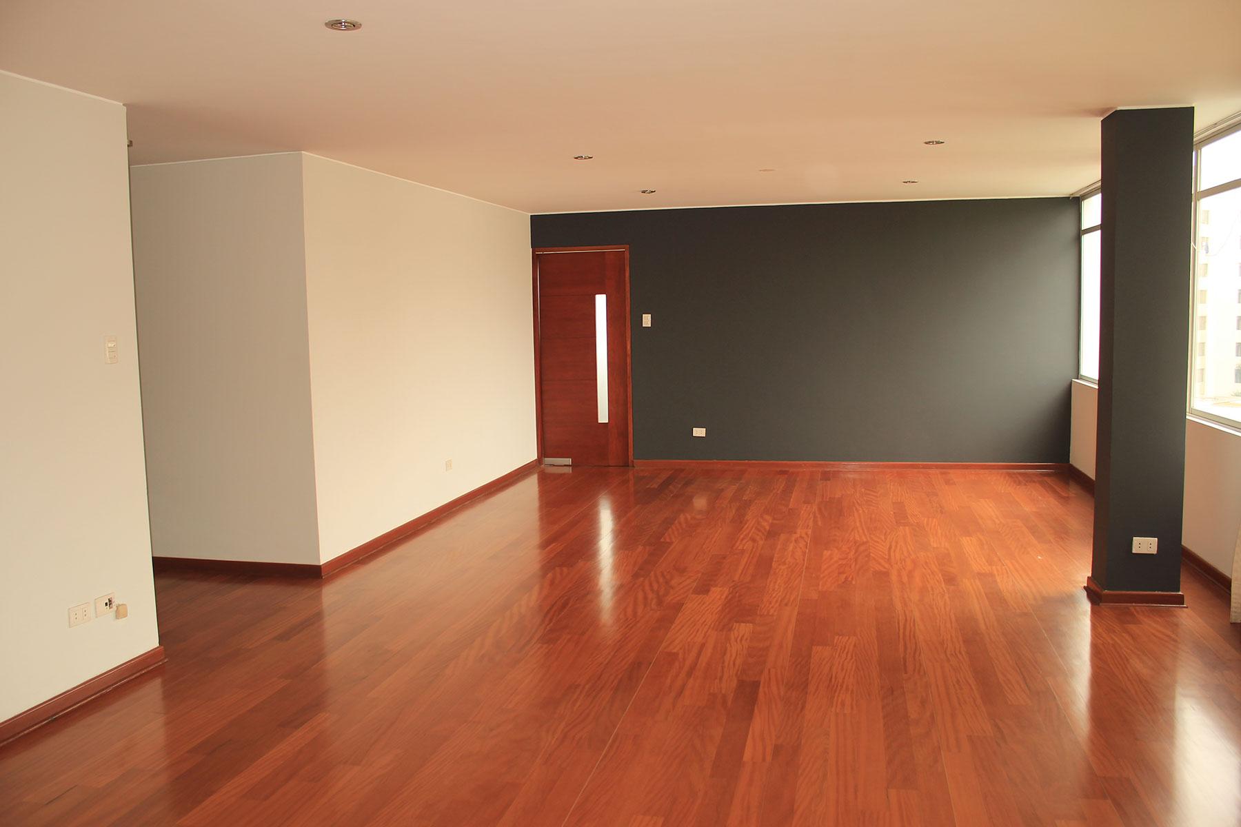 Apartment for Sale at Excelente departamento remodelado con amplios ambientes Calle Los Casataños San Isidro, Lima, 27 Peru
