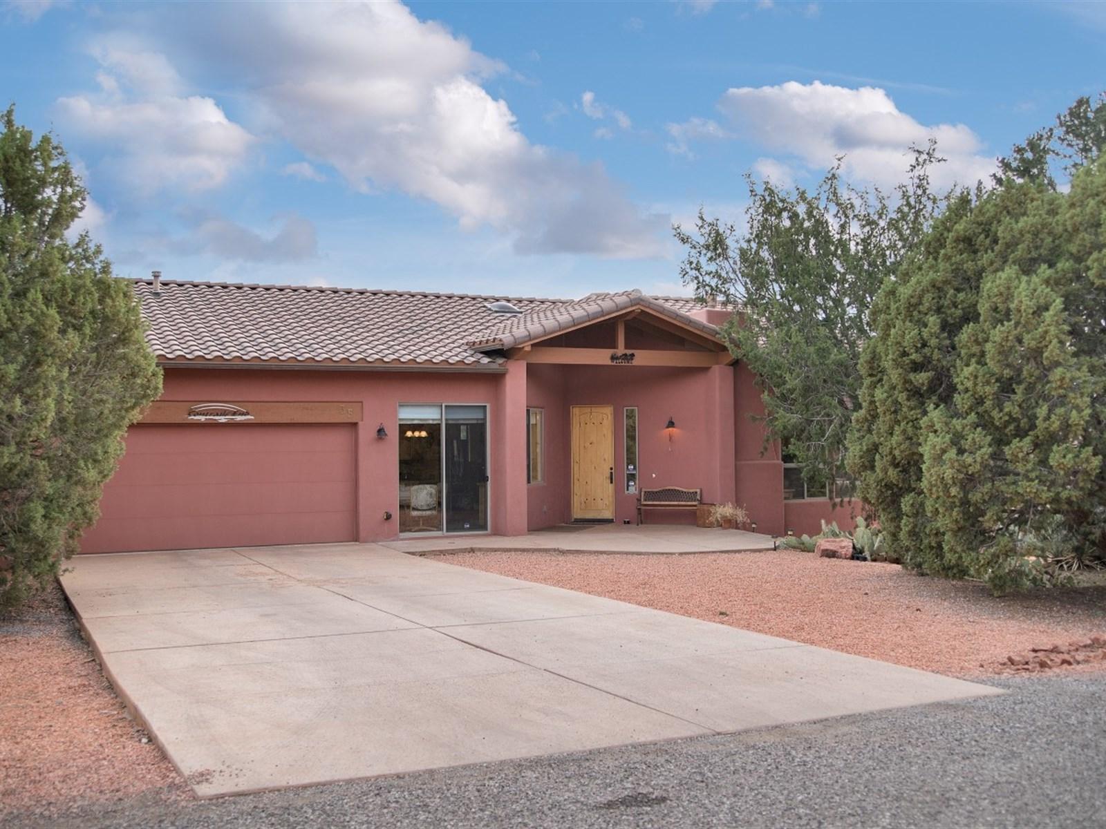 Tek Ailelik Ev için Satış at Peaceful Casa Natural 35 Stations West DR Sedona, Arizona 86336 Amerika Birleşik Devletleri