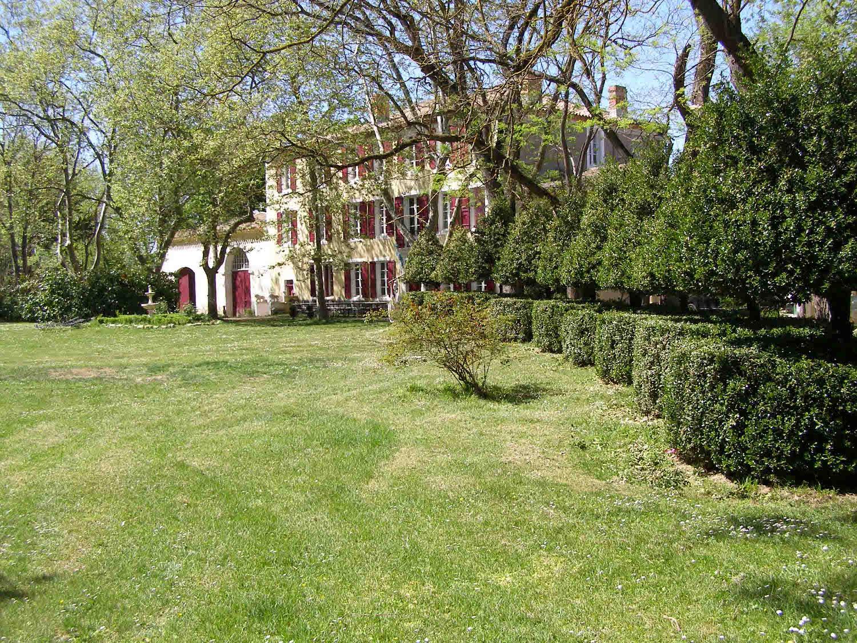 Apartment for Sale at PROCHE DE CARCASSONNE MAGNIFIQUE CHÂTEAU du XVIII SIÈCLE Other Languedoc-Roussillon, Languedoc-Roussillon 11320 France