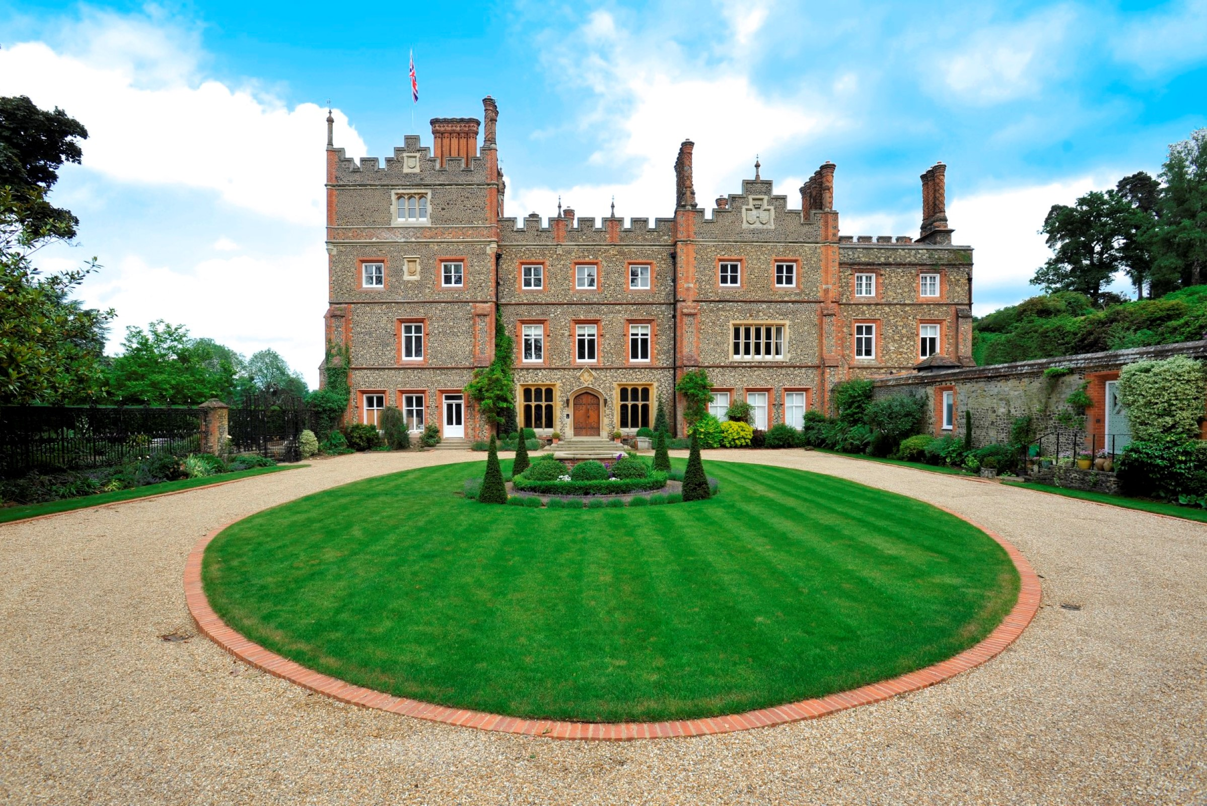 Appartement pour l Vente à Apt 6, Albury Park Mansion Albury Park Mansion New Road Guildford, Angleterre, GU59BB Royaume-Uni
