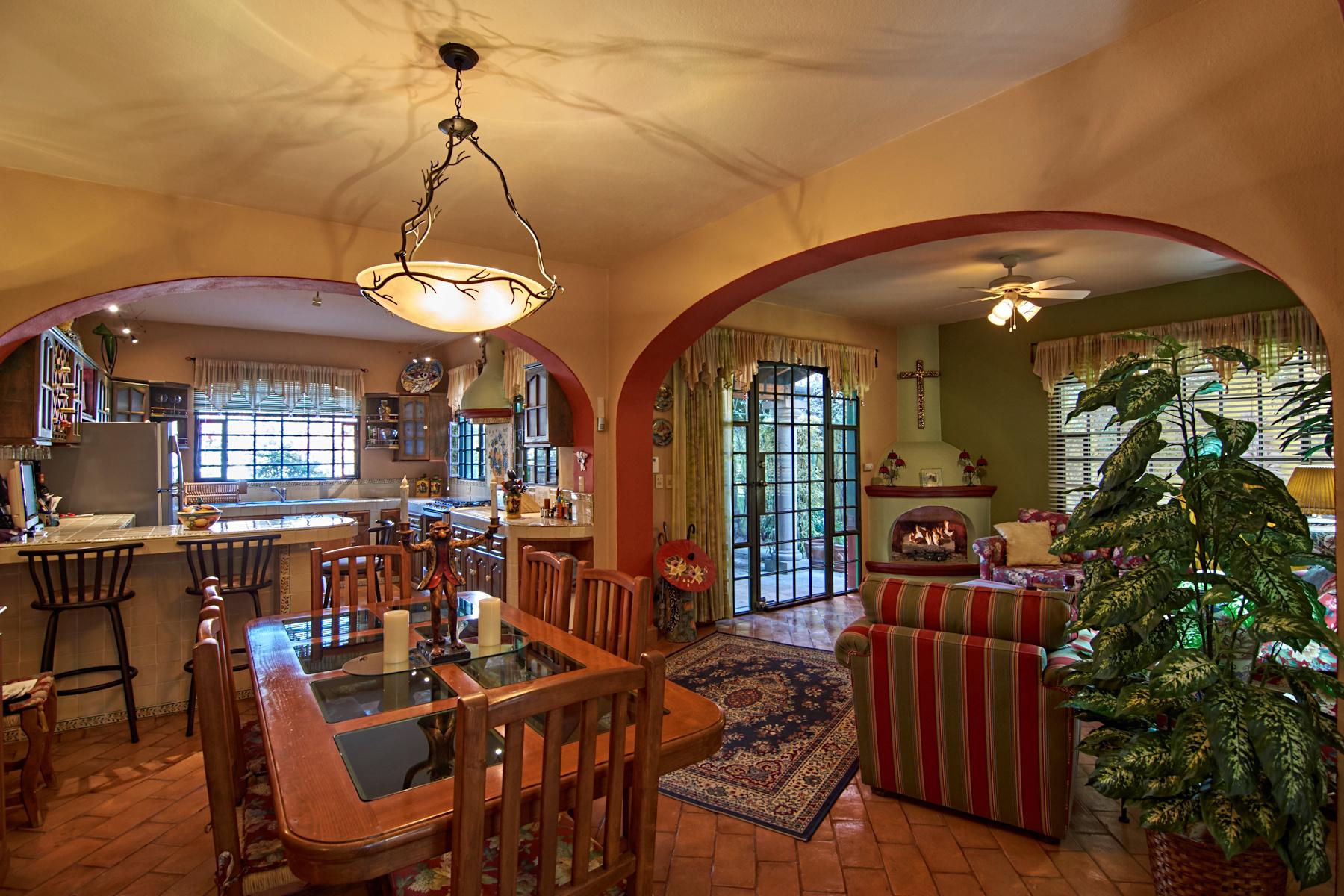 Частный односемейный дом для того Продажа на Casa Dos Fuentes San Miguel De Allende, Guanajuato, Мексика