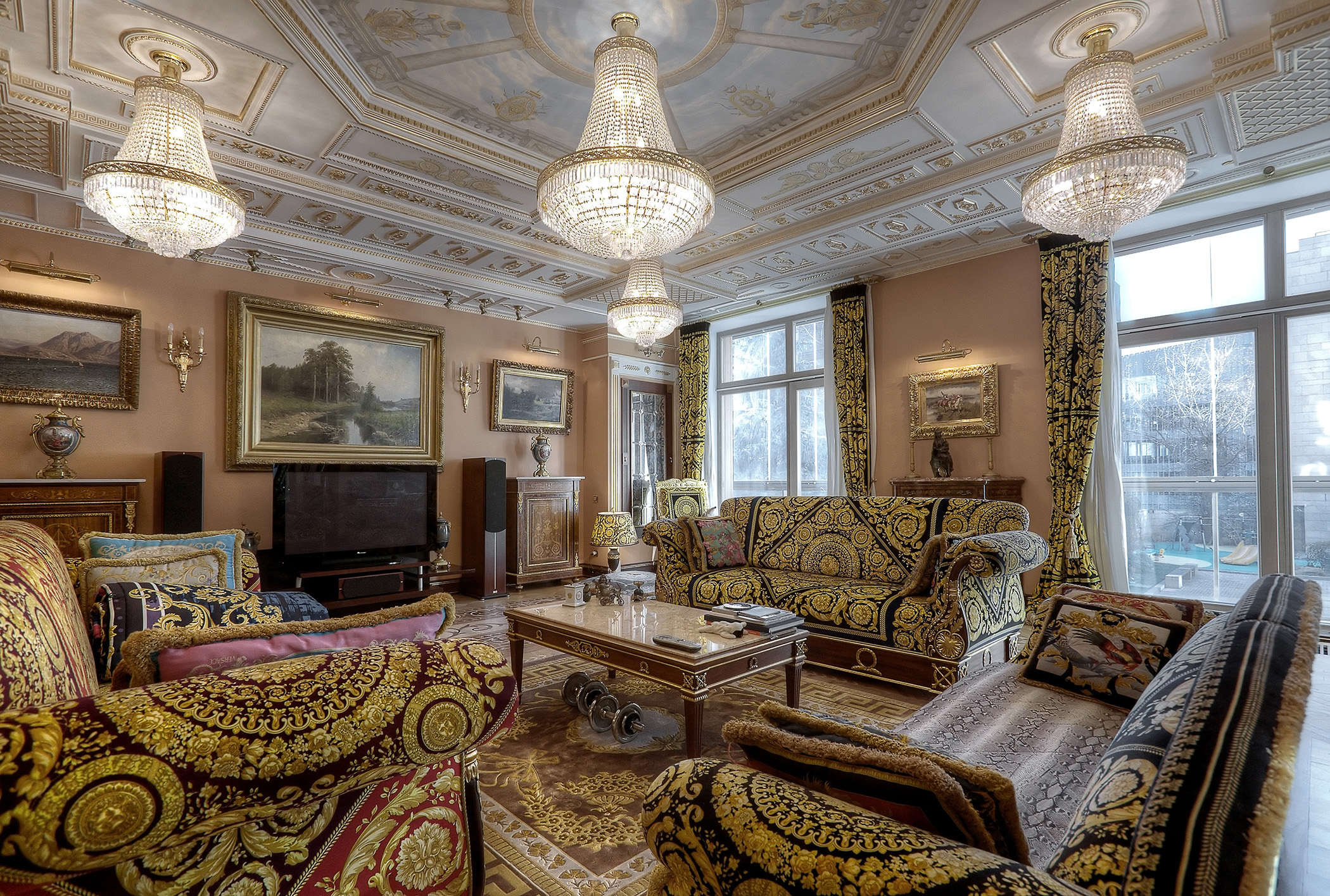 sales property at The magnificent apartment in Butikovsky Lane