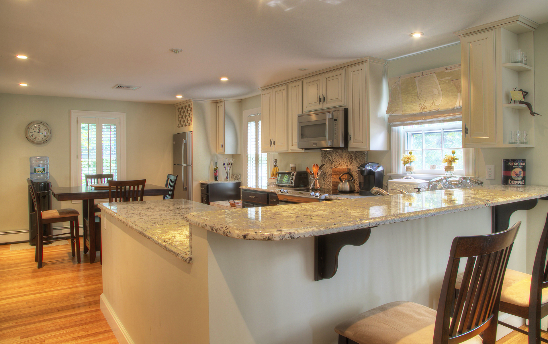 Additional photo for property listing at Moorland Lodge 5 Hammersmith Road Newport, Rhode Island 02840 Estados Unidos