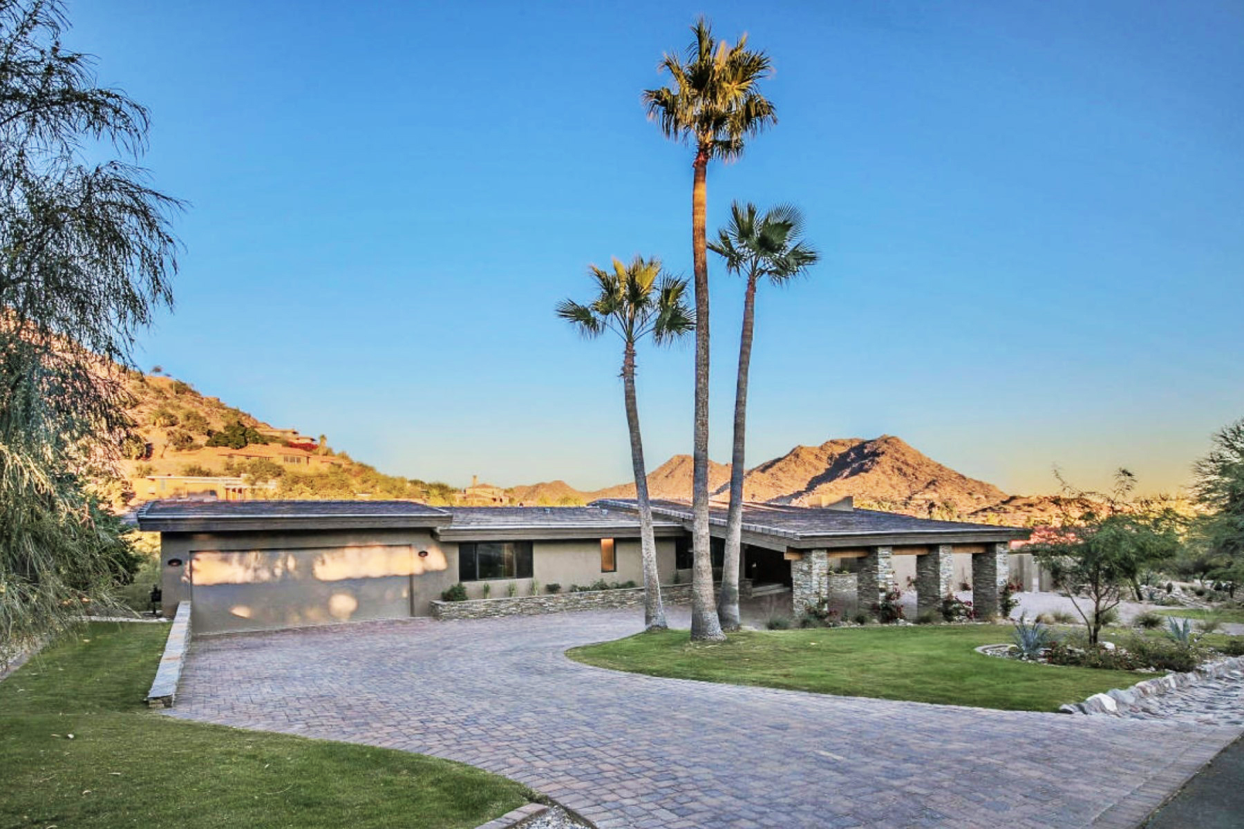 Single Family Home for Sale at Fully Remodeled Paradise Valley Soft Contemporary 4502 E Clearwater Pkwy Paradise Valley, Arizona 85253 United States