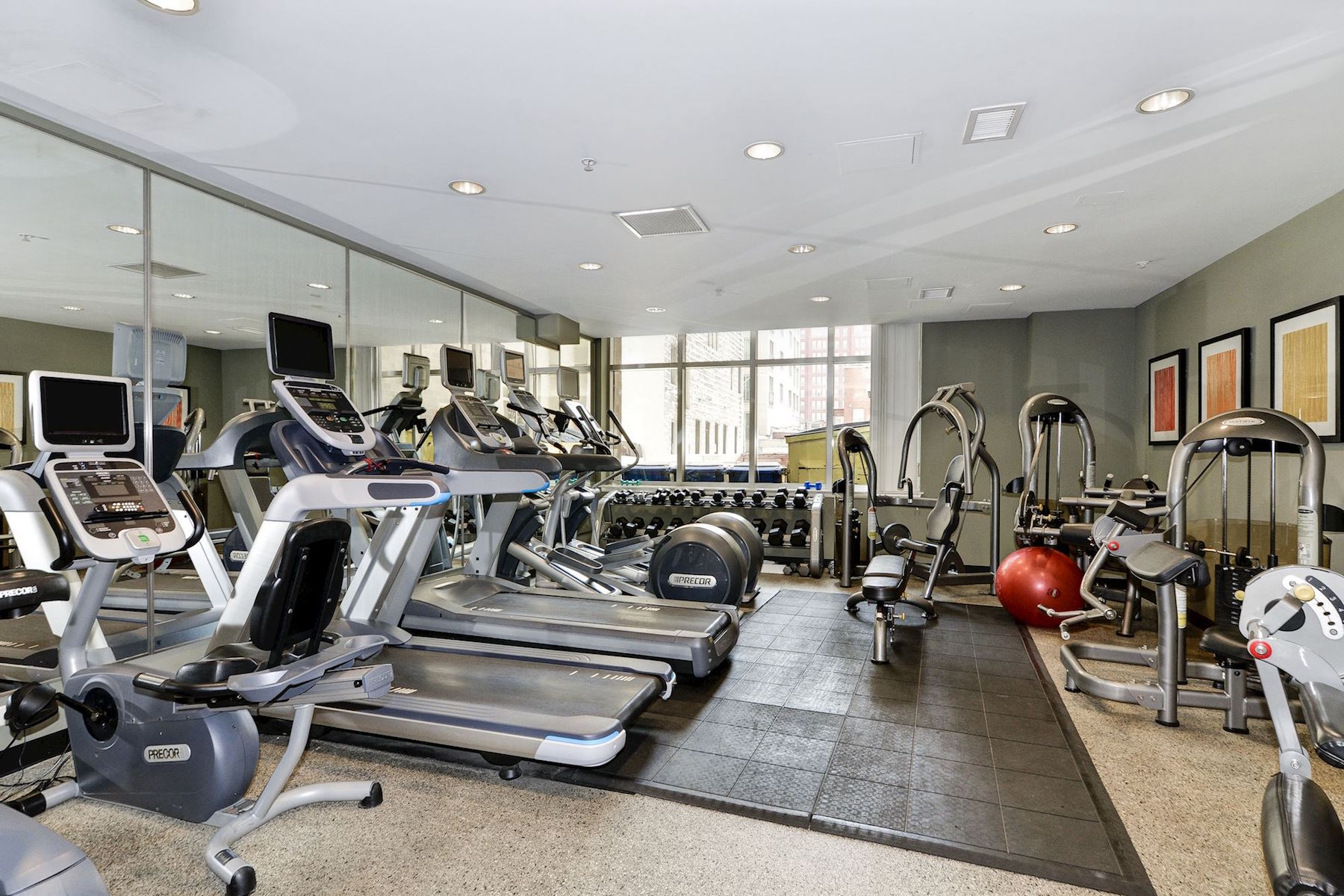 Additional photo for property listing at Madrigal Lofts 811 4th Street Nw 114 Washington, 哥倫比亞特區 20001 美國