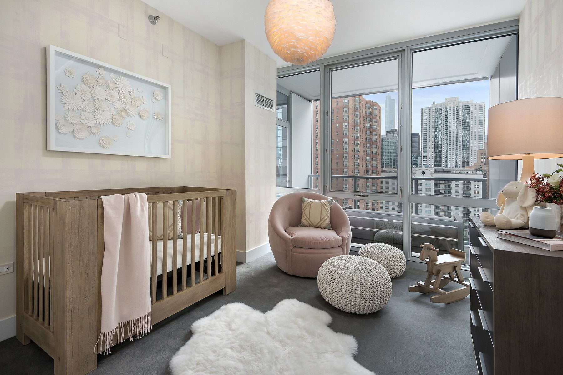Additional photo for property listing at The Residences at Two West Delaware 2 W Delaware Place Unit 2404-02 Chicago, Illinois 60610 United States