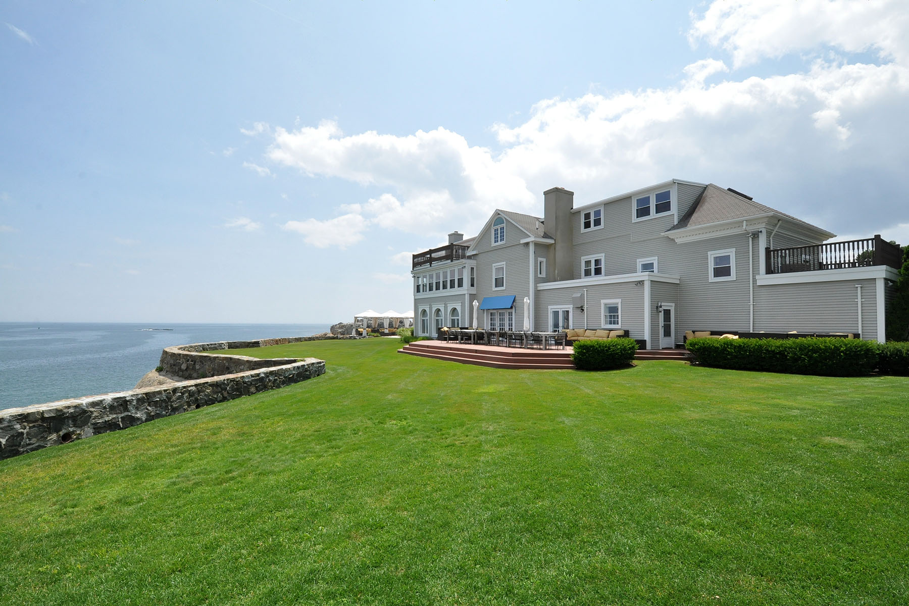 Vivienda unifamiliar por un Venta en Breathtaking Oceanfront Estate 385 Ocean Avenue Marblehead, Massachusetts 01945 Estados Unidos