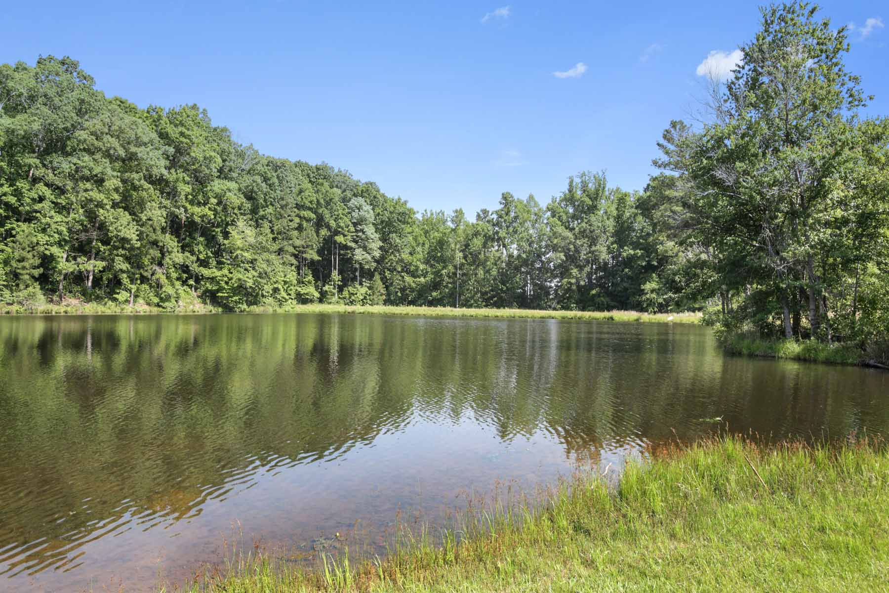 Additional photo for property listing at Create your getaway just around the corner from the Serenbe community! 10873 Hutcheson Ferry Road Chattahoochee Hills, ジョージア 30268 アメリカ合衆国
