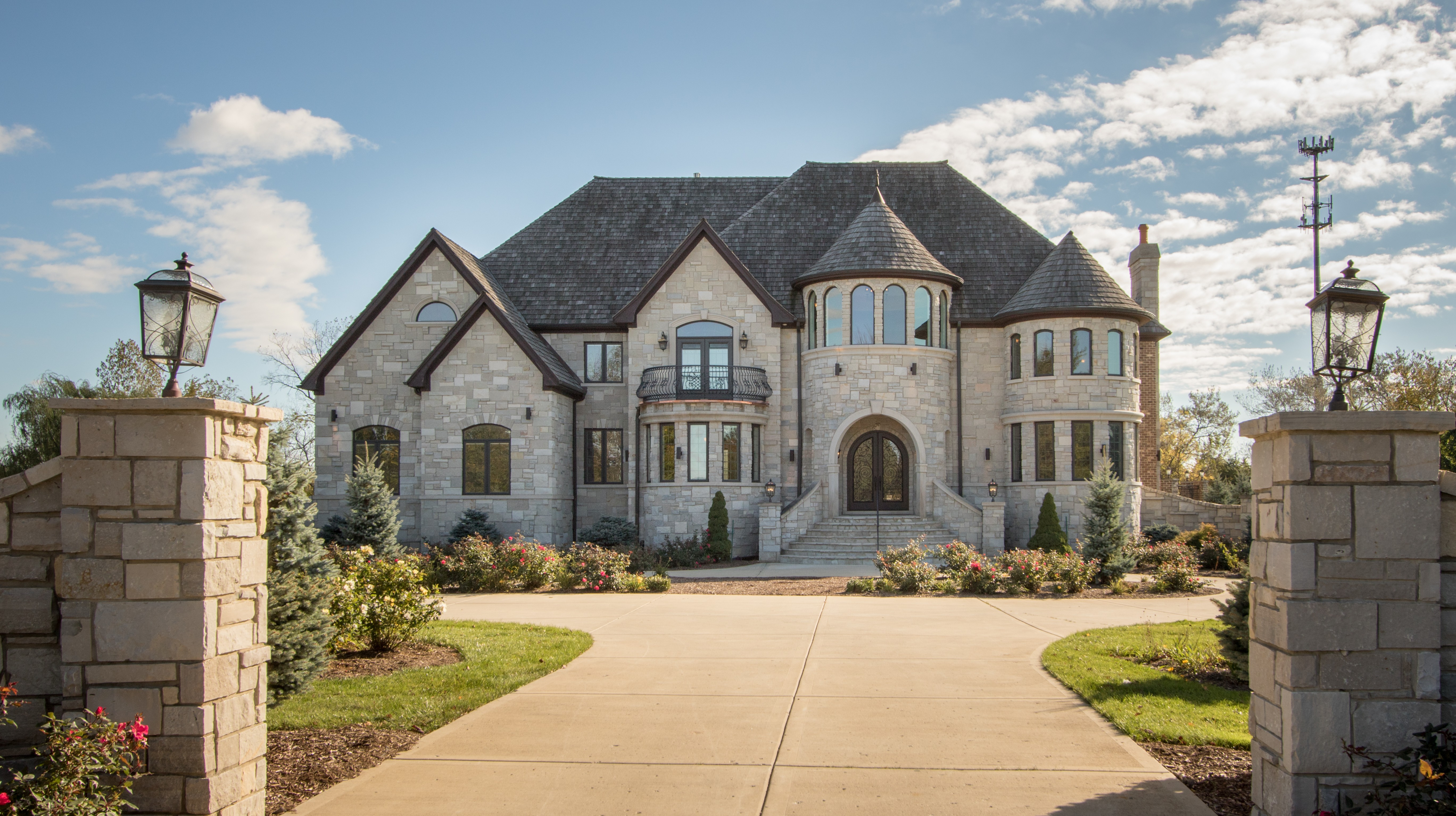 Single Family Home for Sale at Exquisitely Refined 10 Creekside Lane Barrington Hills, Illinois 60010 United States
