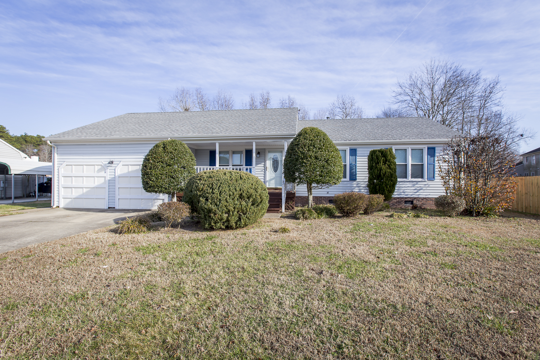 Single Family Home for Sale at Locks Landing 2331 Locks Landing Chesapeake, Virginia 23322 United States
