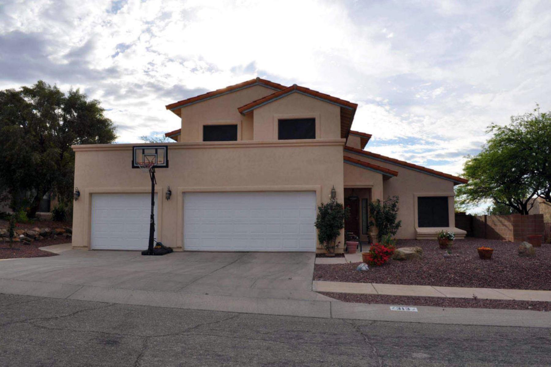 Maison unifamiliale pour l Vente à Beautiful Spacious Home in Desired Location 313 N Eastern Slope Loop Tucson, Arizona 85748 États-Unis