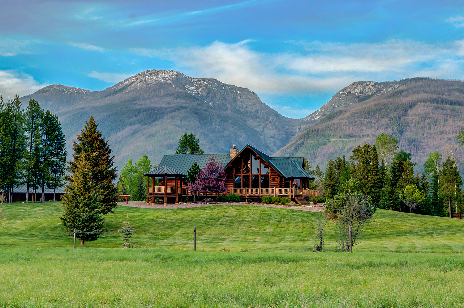 Single Family Home for Sale at 870 Smith Meadows Lane Condon, Montana, 59826 United States