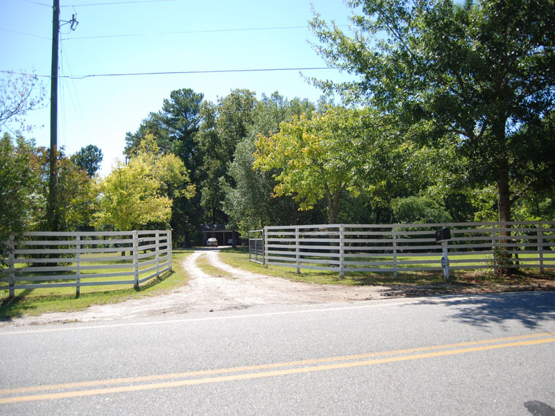 Additional photo for property listing at 3.83 Acres Near Piedmont Fayette Hospital 119 Old Norton Road Fayetteville, Georgia 30215 États-Unis