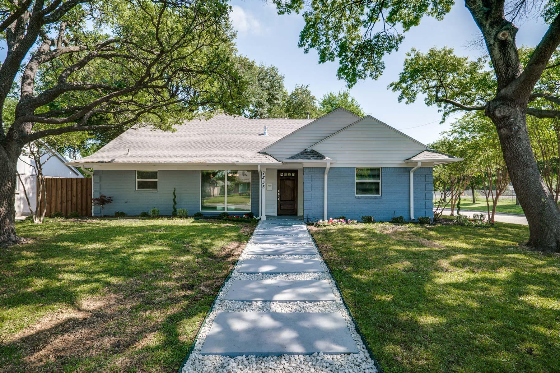 Maison unifamiliale pour l Vente à University Terrace Traditional 7335 Haverford Road Dallas, Texas, 75214 États-Unis