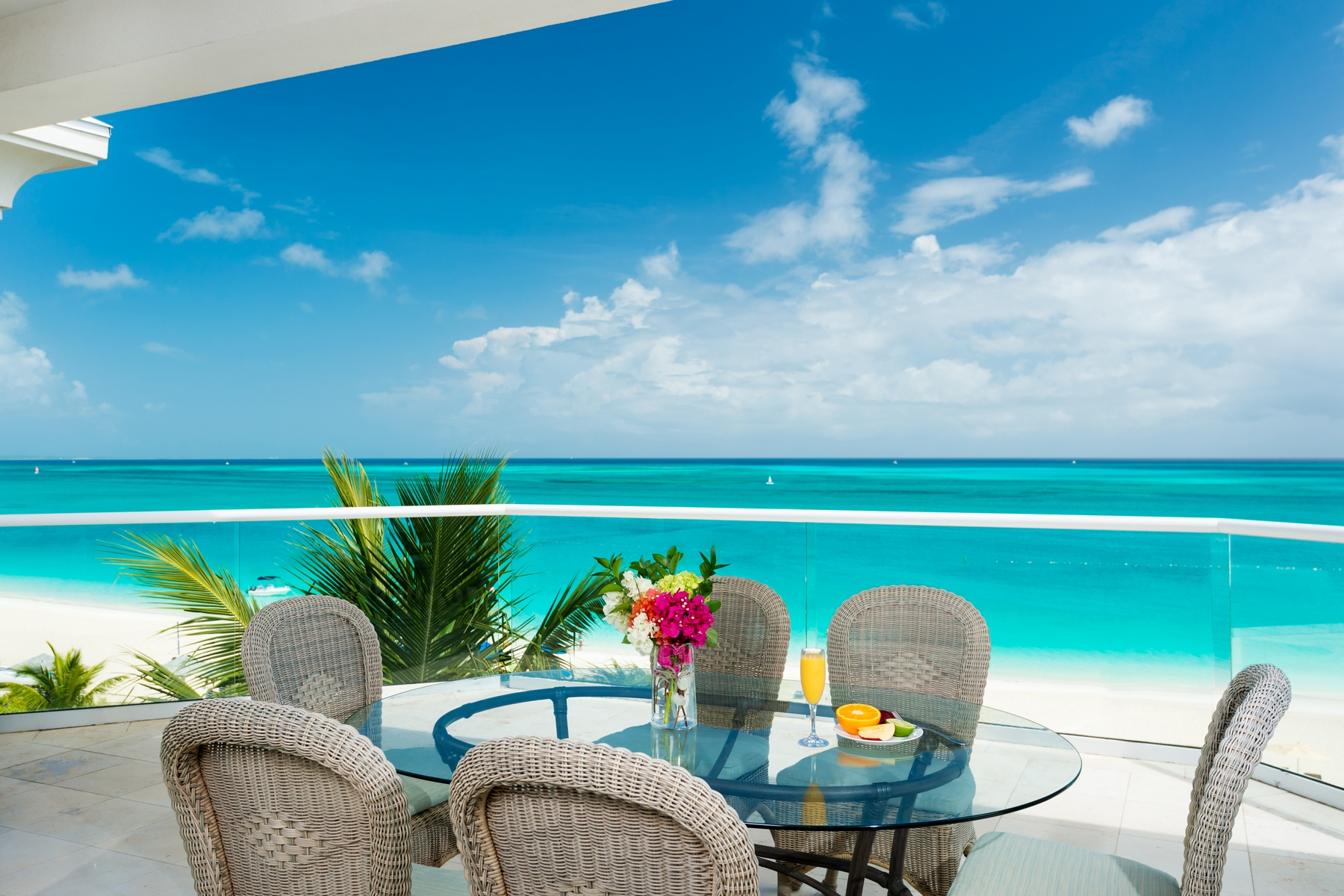Piso por un Venta en The Pinnacle 403 The Pinnacle, Grace Bay, Providenciales Islas Turcas Y Caicos