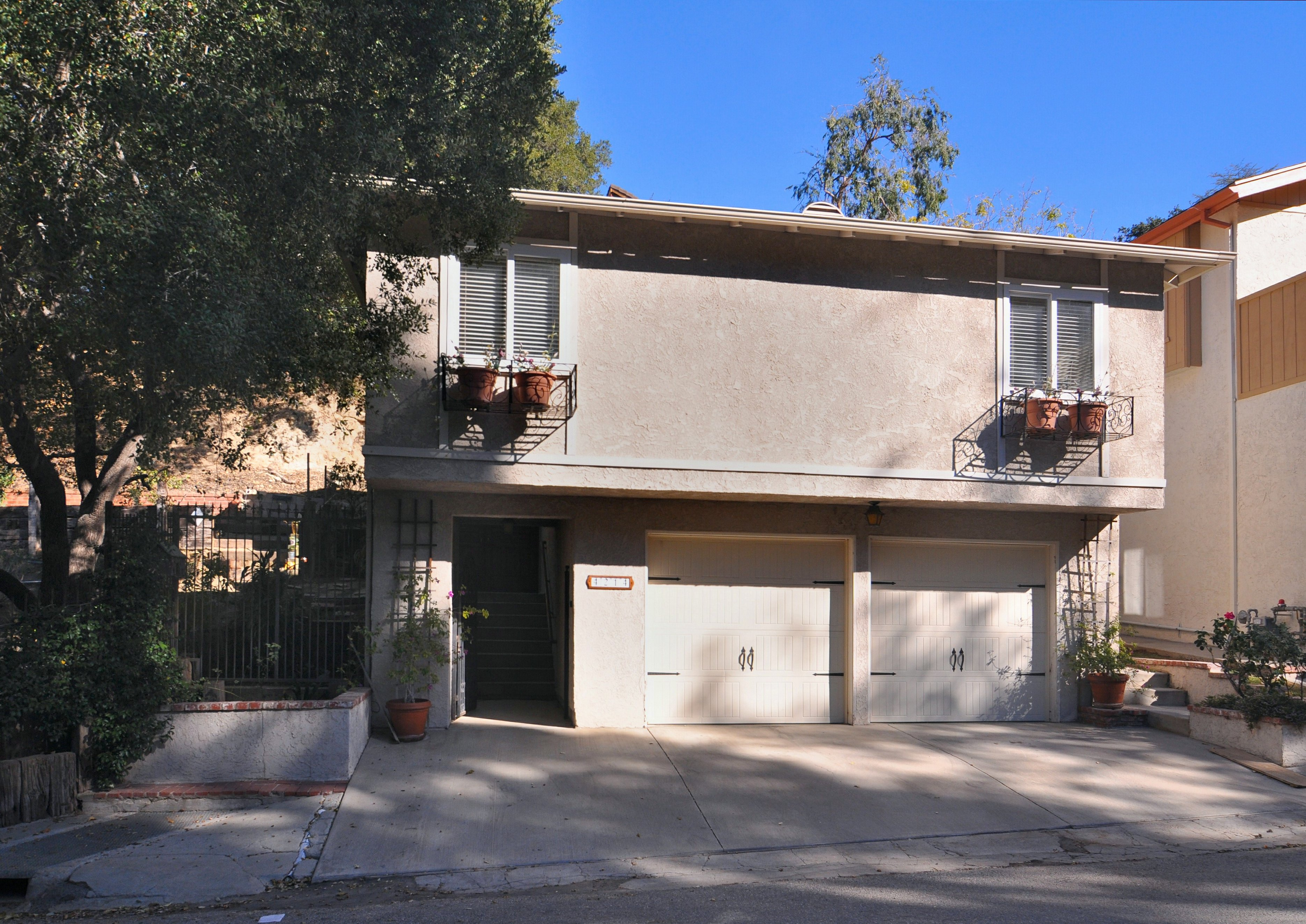 Single Family Home for Sale at 4214 Morro Drive Woodland Hills, California, 91364 United States
