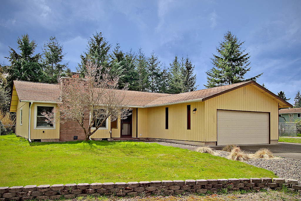 Single Family Home for Sale at Rambler Living 2724 145th St E Tacoma, Washington 98445 United States