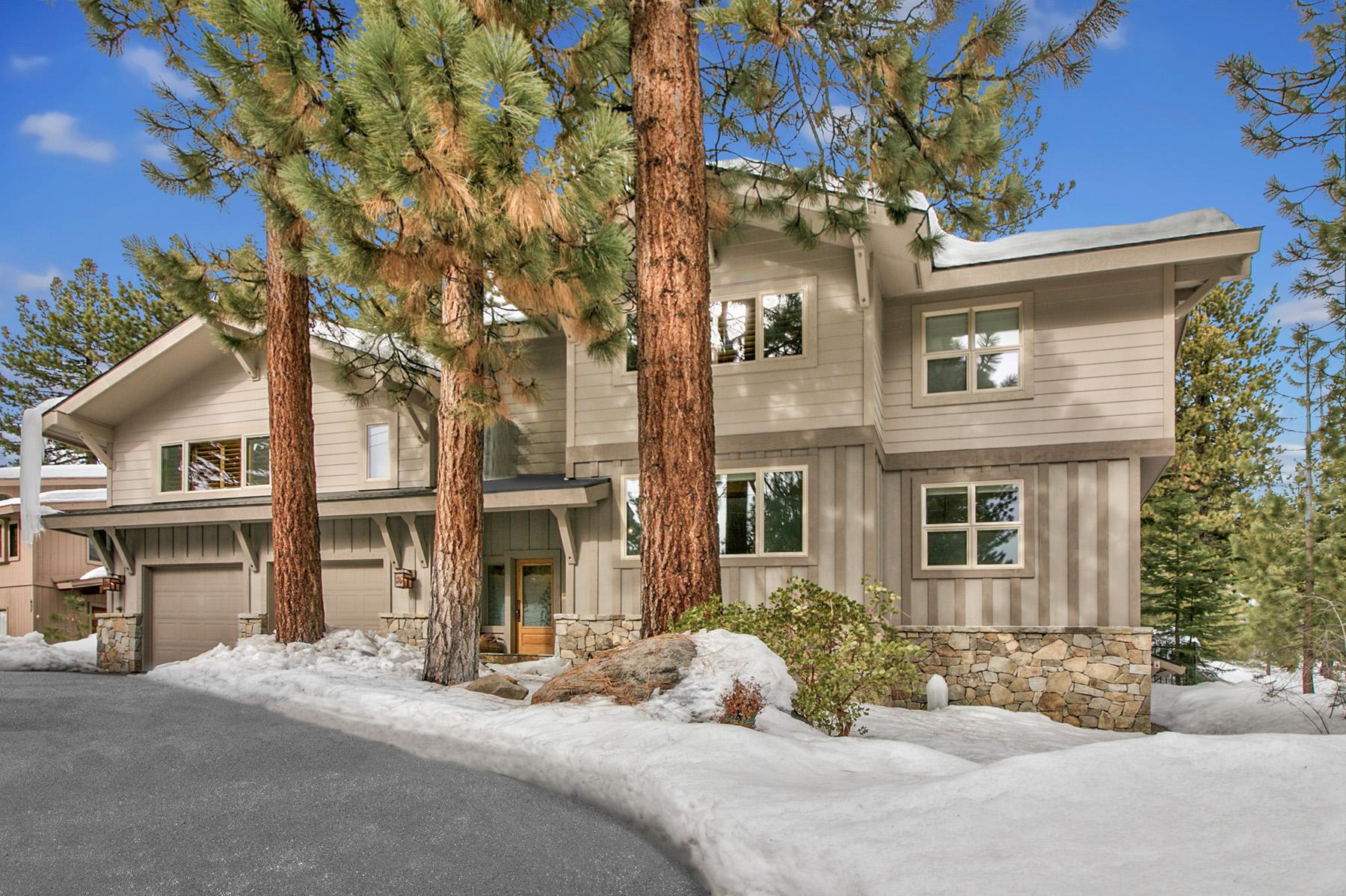 Maison unifamiliale pour l Vente à 629 Village Boulevard Incline Village, Nevada 89451 États-Unis