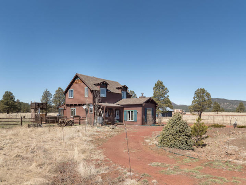 Property For Sale at Custom Mountain Retreat