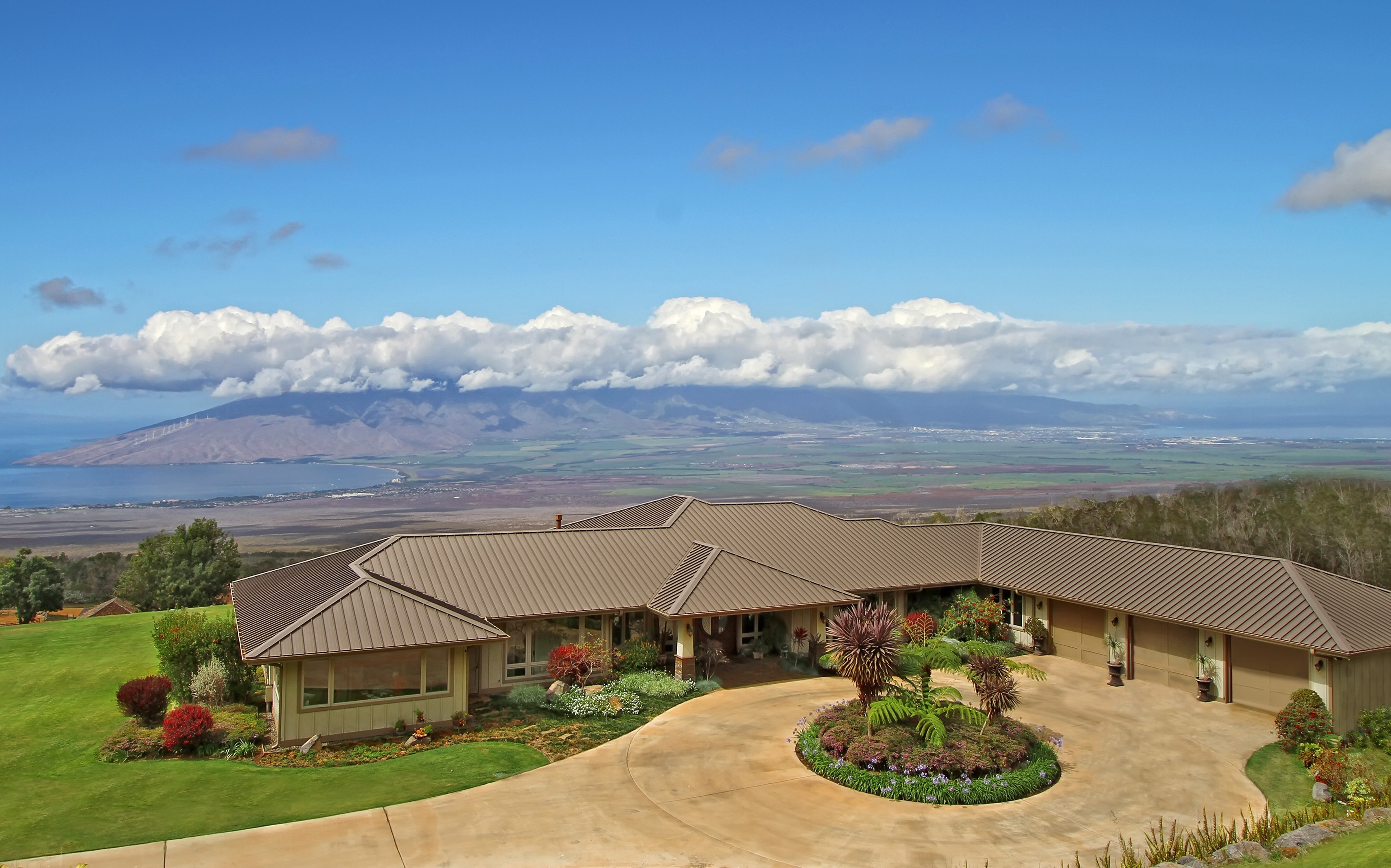 Property For Sale at Exclusive 15-Acre Kula, Maui Estate With Unbelieveable Bi-Coastal Views