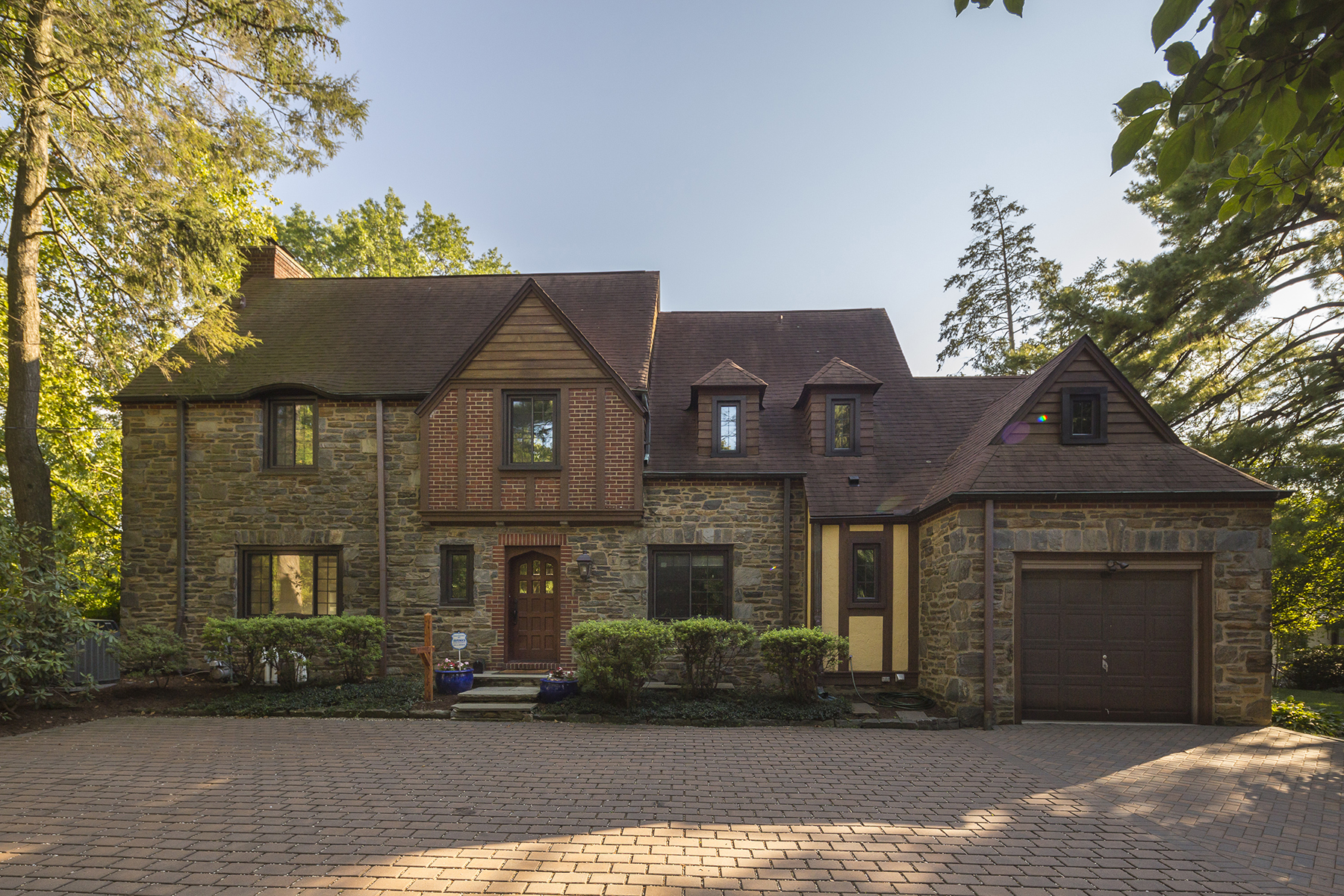 Single Family Home for Sale at Elegant Colonial Tudor 578 Montgomery Ave. Bryn Mawr, Pennsylvania 19010 United States