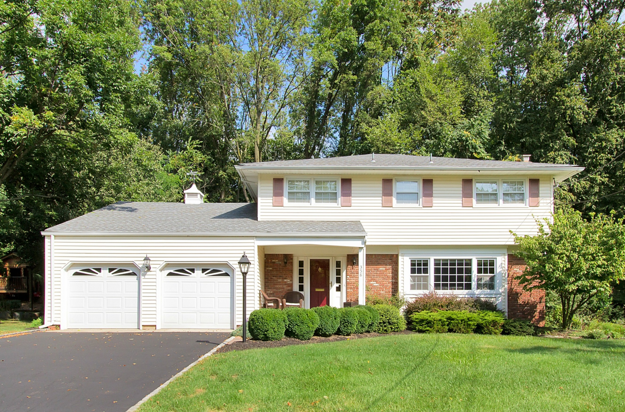 sales property at Classic Westfield Colonial