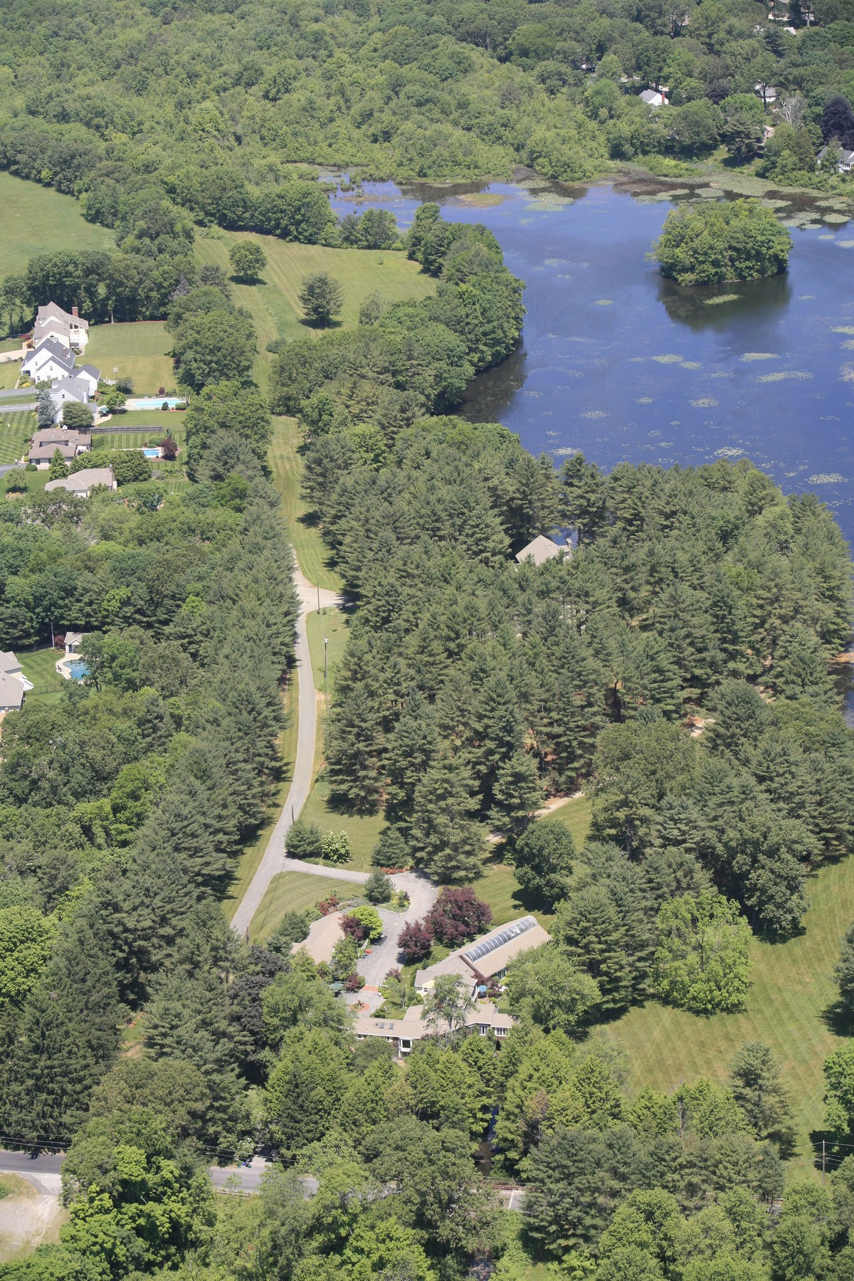 Additional photo for property listing at Greenmoor 18-16 Rawson Road Cumberland, Rhode Island 02864 United States