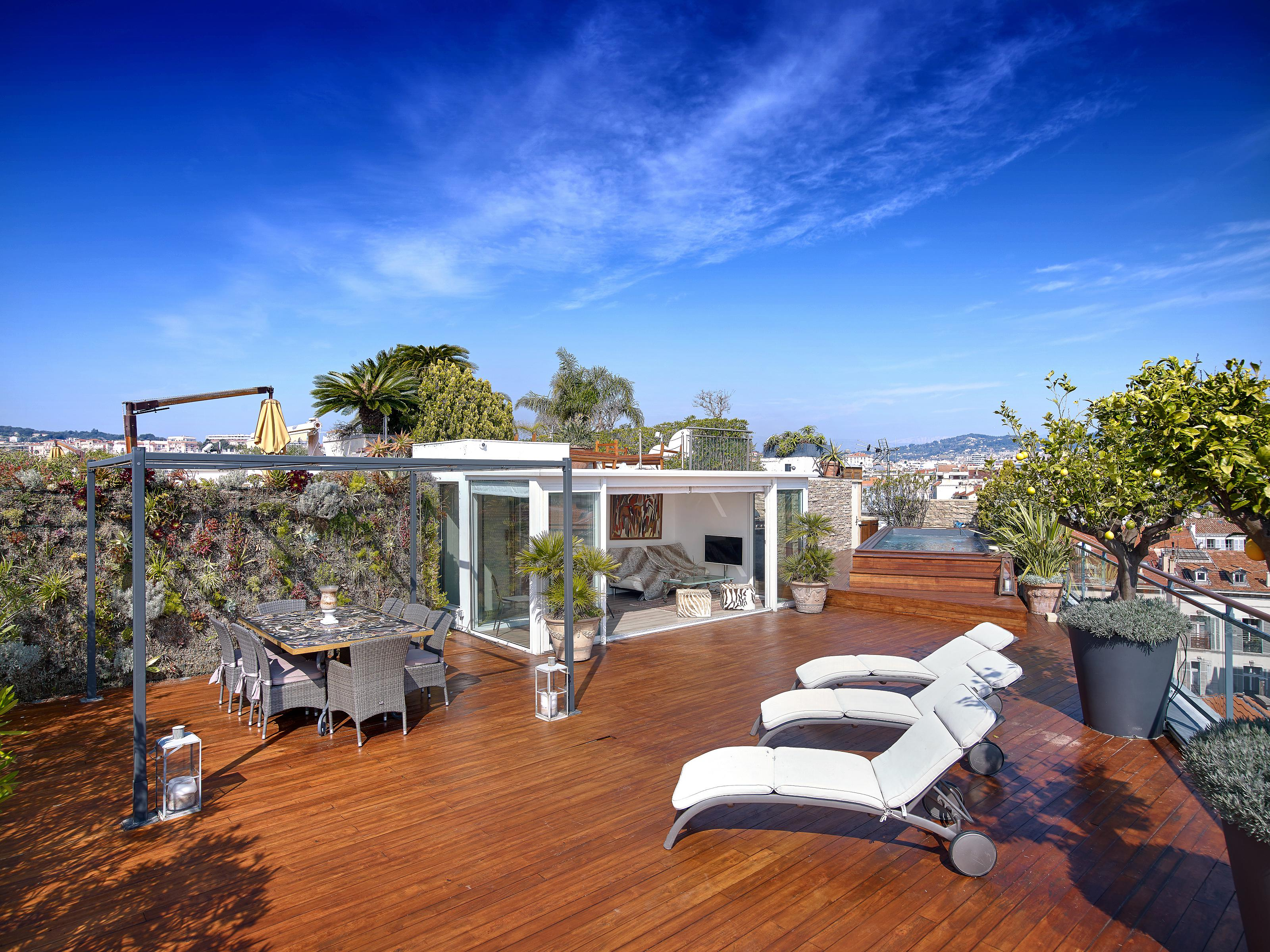 Single Family Home for Sale at Luxury penthouse for sale in front of the Palais des Festivals Cannes Cannes, Provence-Alpes-Cote D'Azur 06400 France