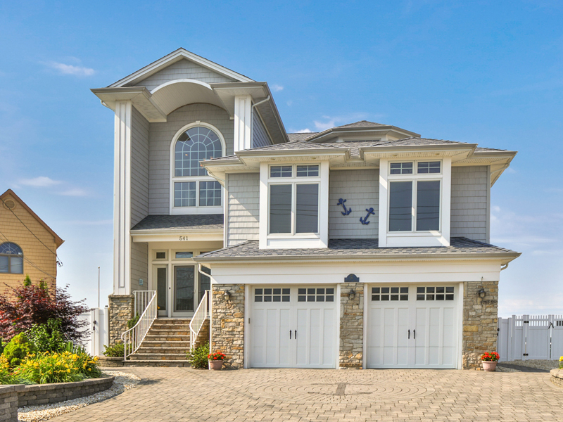 Property For Sale at Exceptional Custom Bayfront