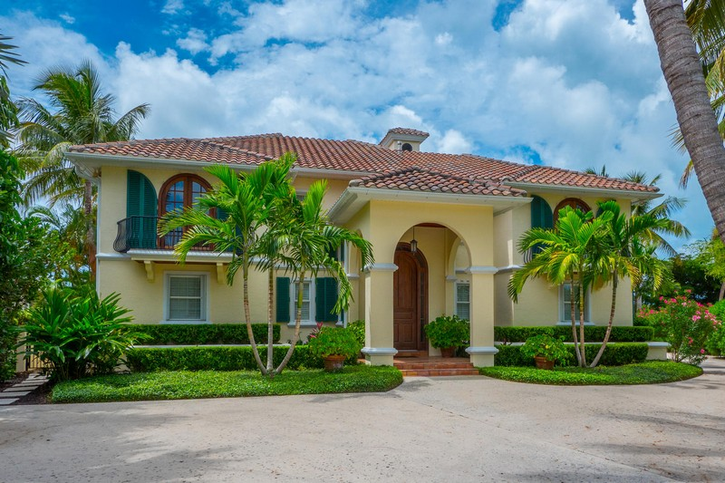 Moradia para Venda às 1603 Gaspar Dr S. Boca Grande, Florida 33921 Estados Unidos